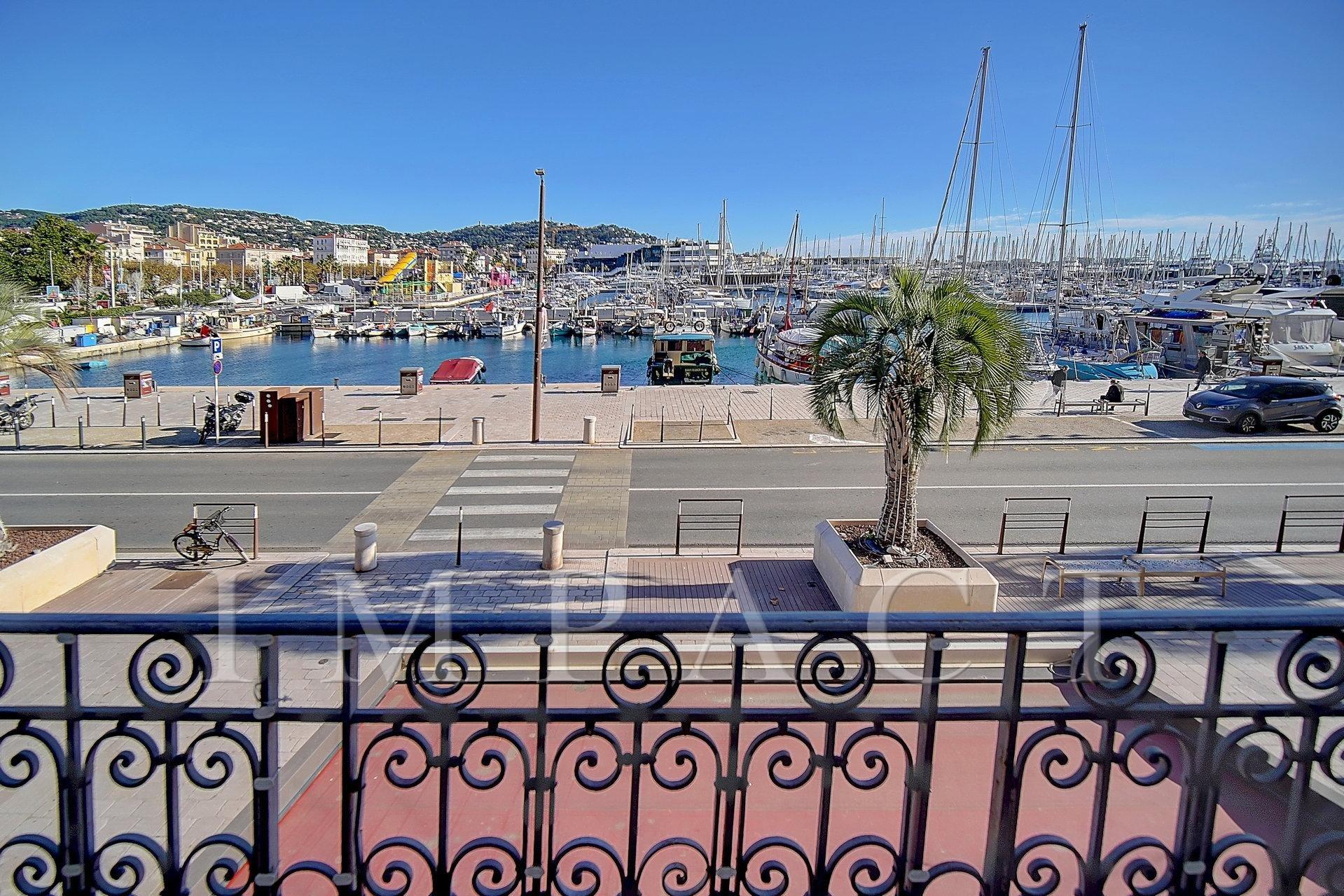 Appartement 2 chambres Location Saisonnière vue vieux port de Cannes