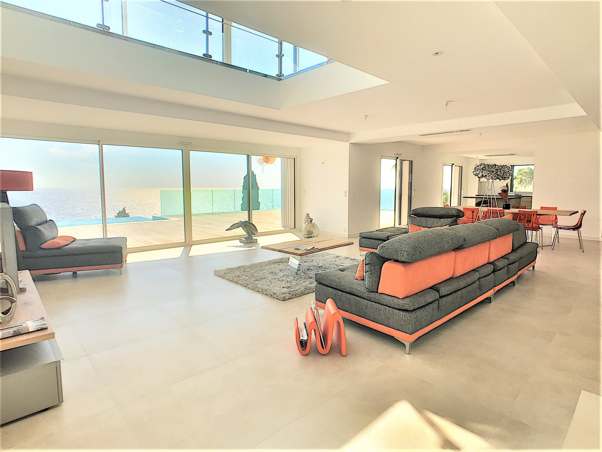 Beautiful new contemporary villa with panoramic sea view