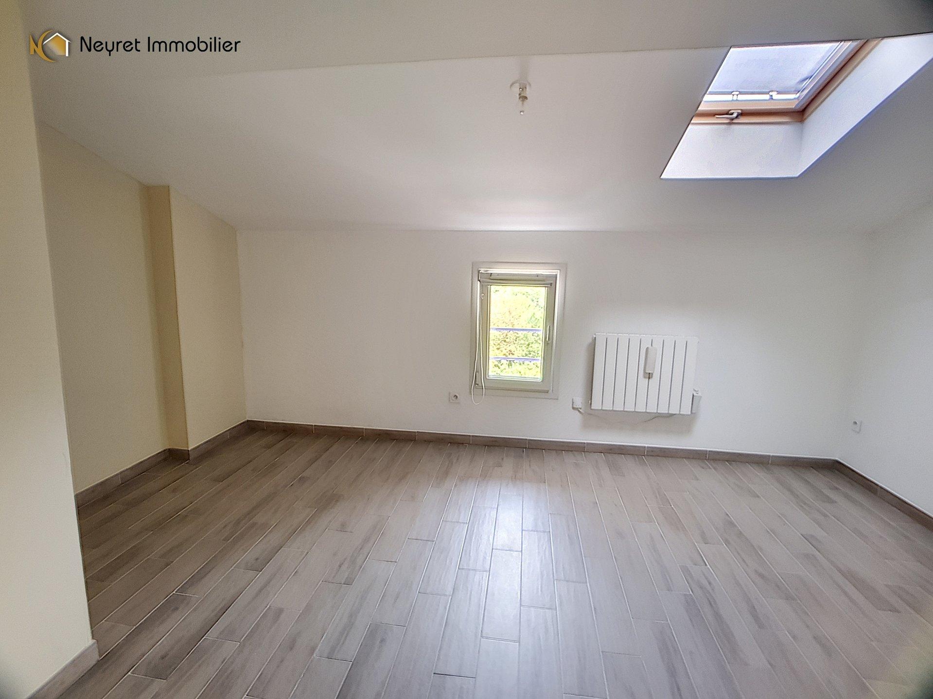 appartement T3 standing  batisse de 1750