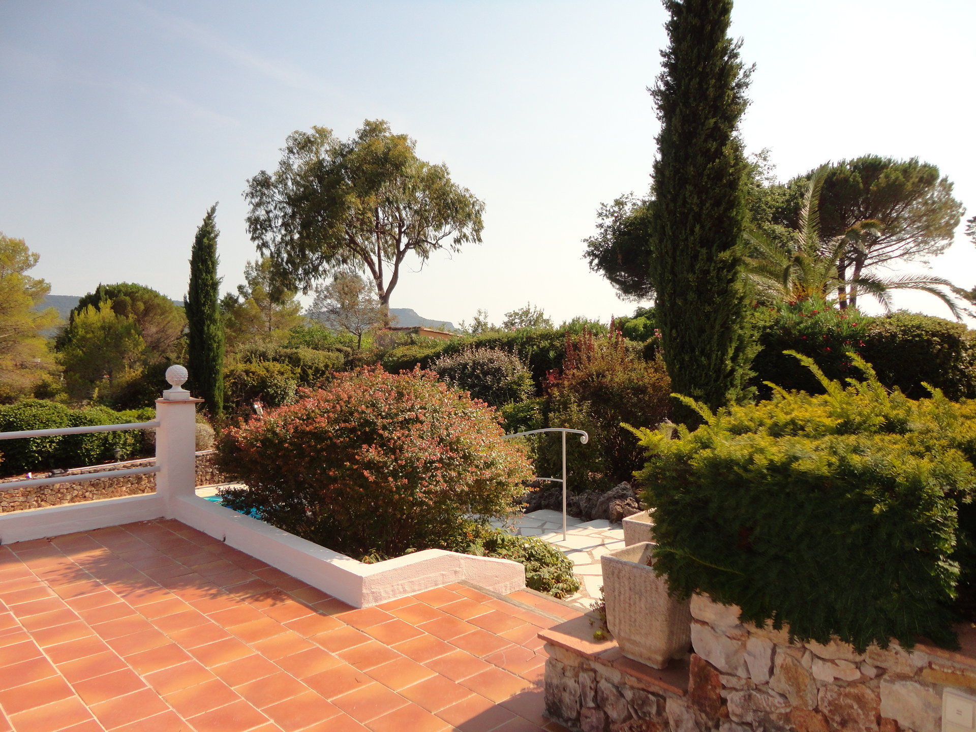 Pays de Pays de Fayence: villa californienne de plain pied avec piscine