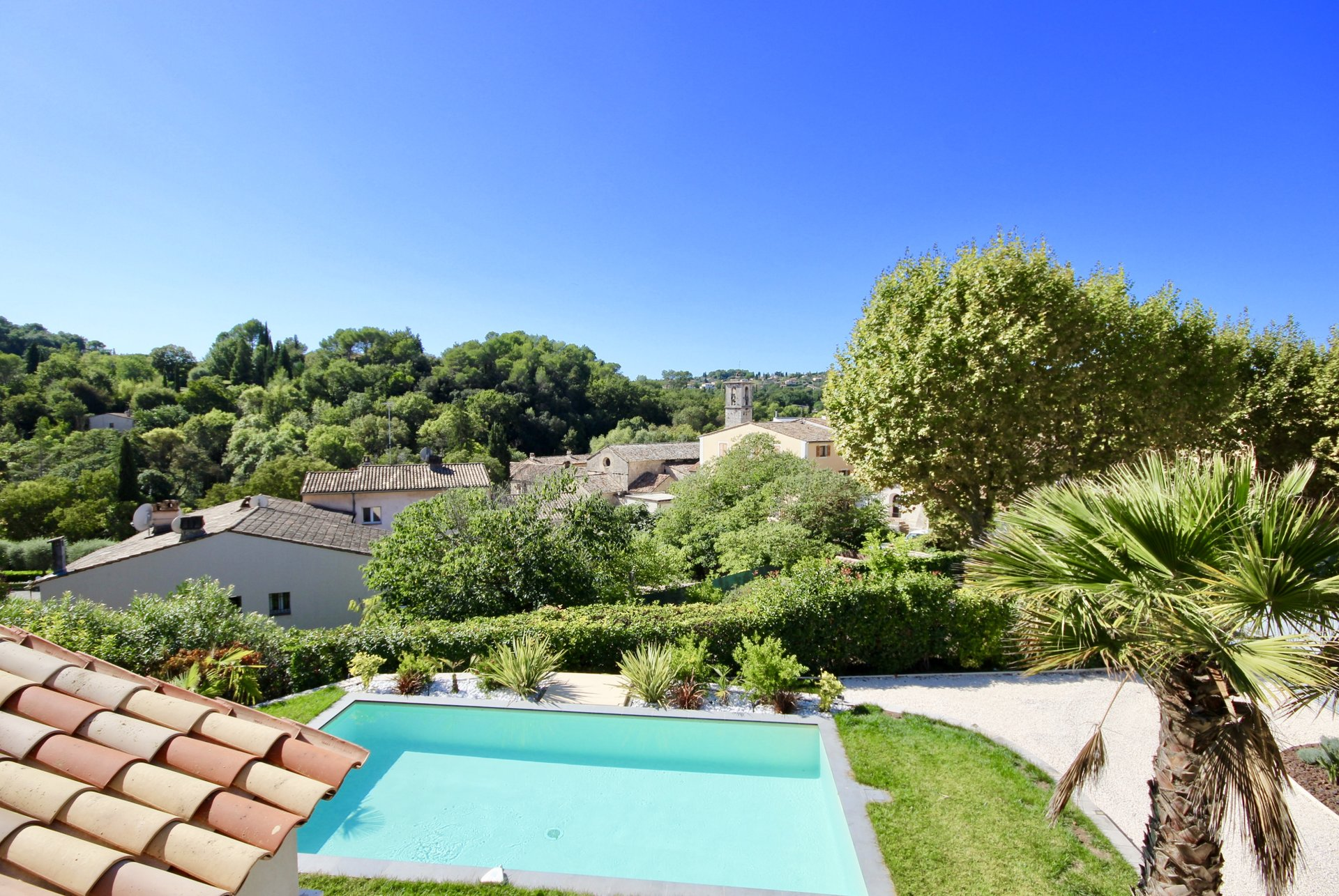 Rare ! in the heart of Valbonne village