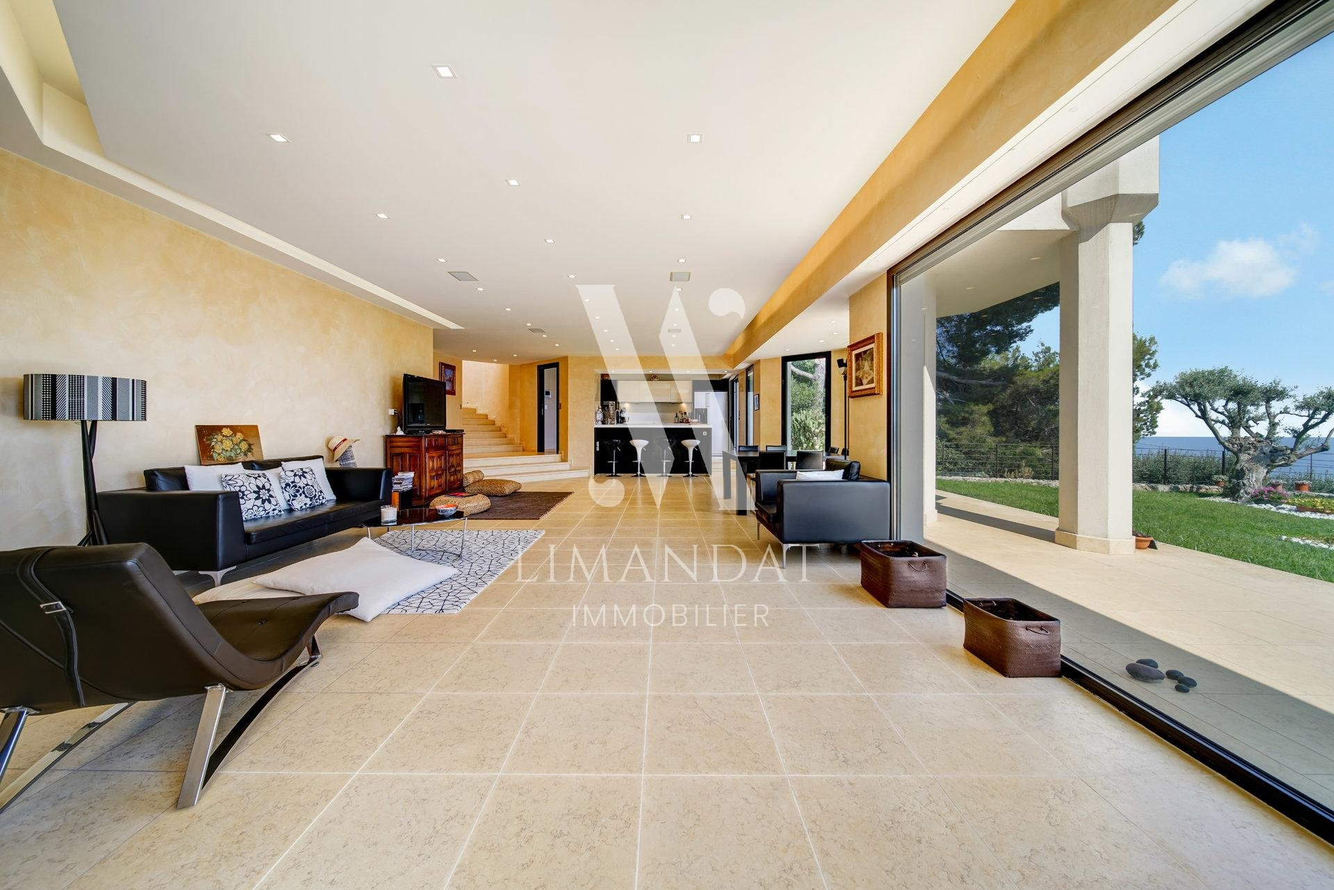 LA TURBIE - VILLA D'EXCEPTION 350 m2 vue mer