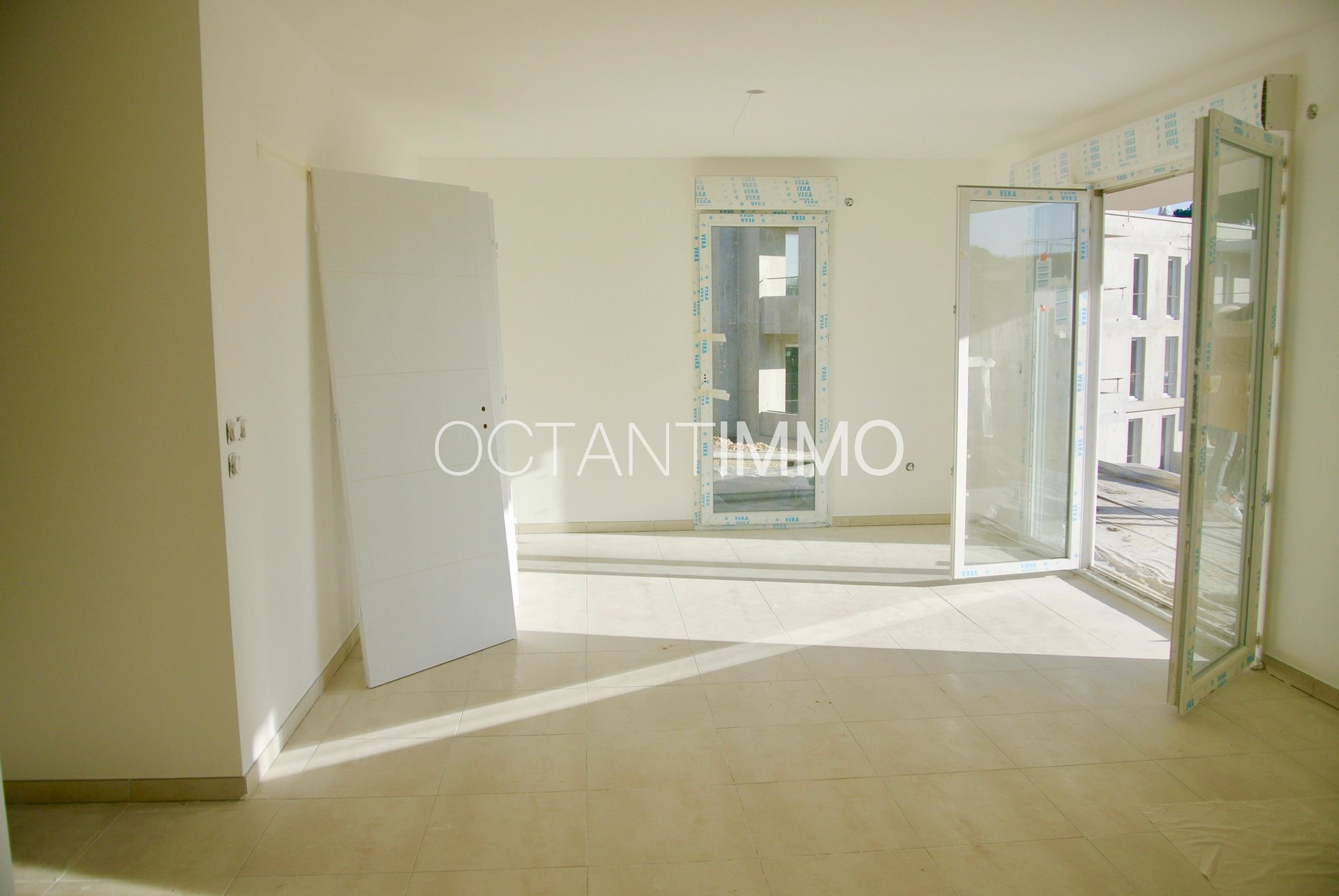 Biot St Philippe 3BR apt with garden & pool