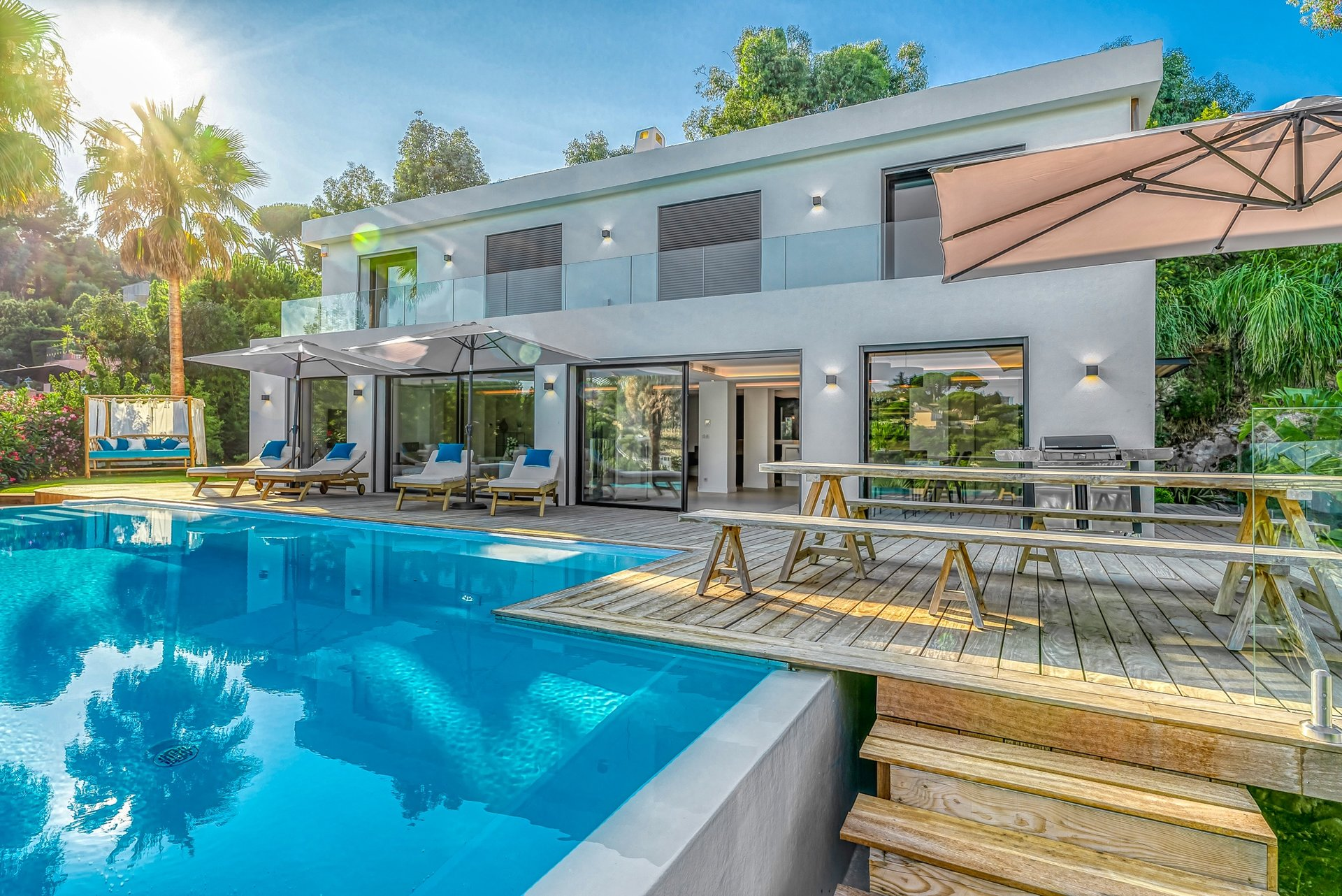 VILLA CONTEMPORAINE - SUPER CANNES