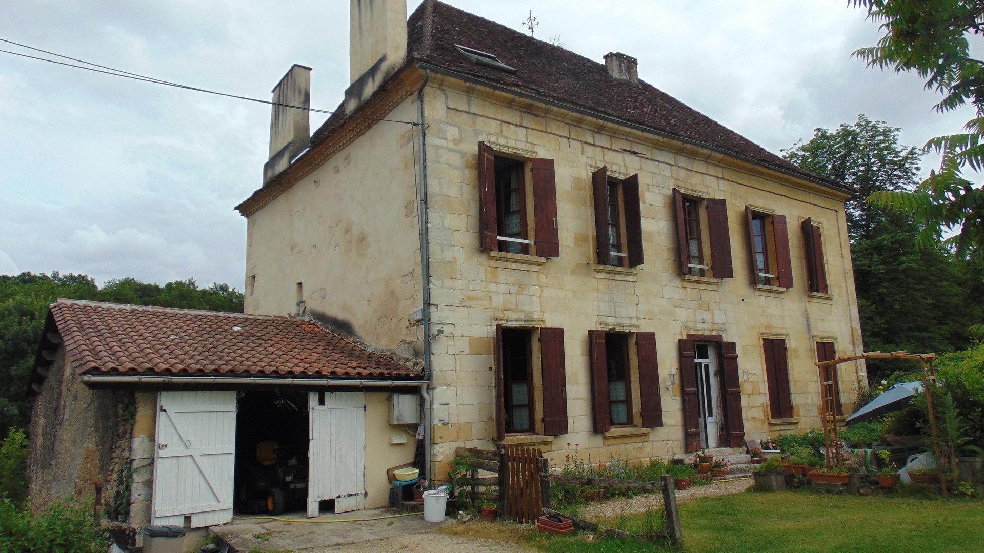 Maison bourgeoise sur 1Ha de terrain