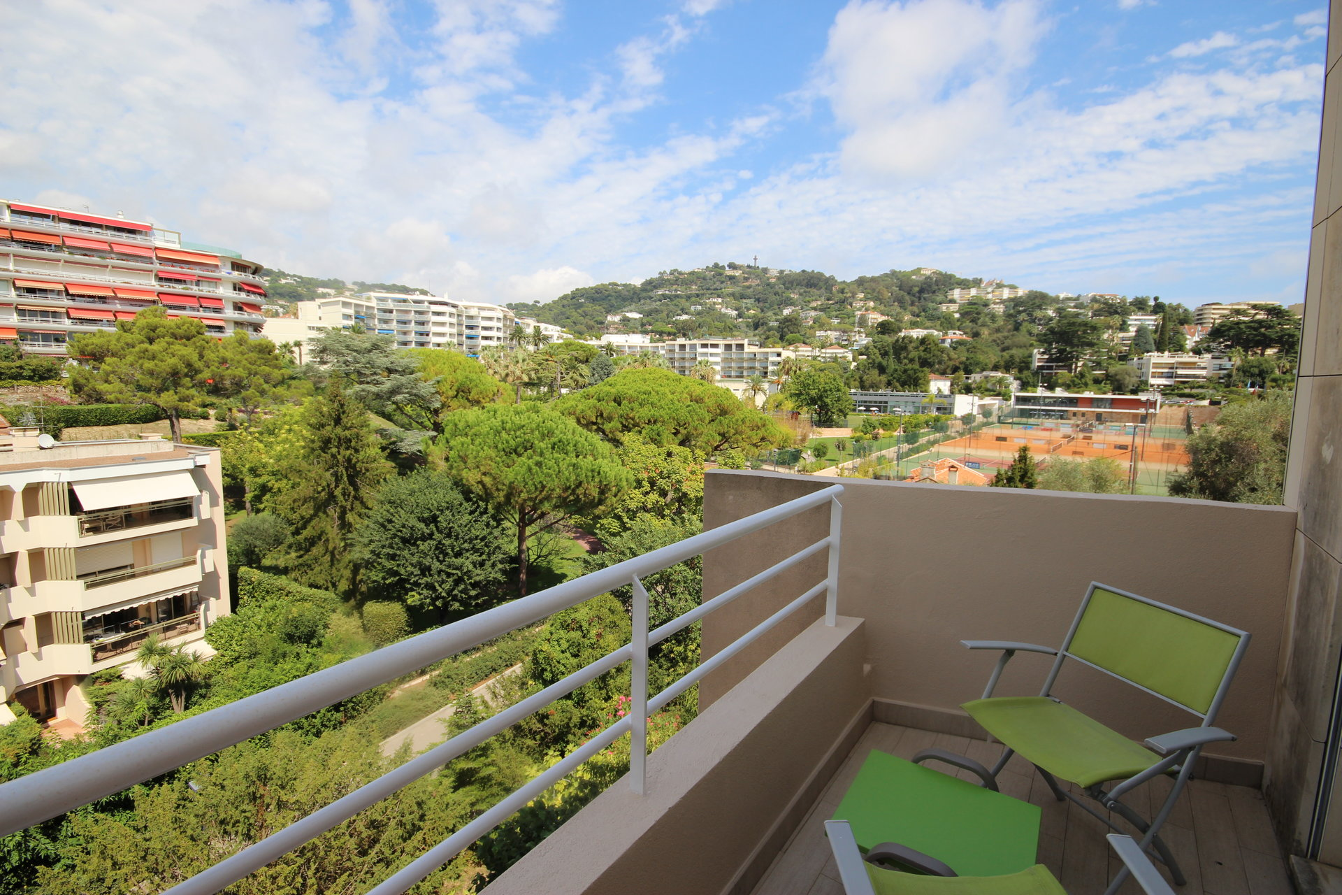 CANNES FULL CENTER 2 ROOMS APARTMENT FOR SALE