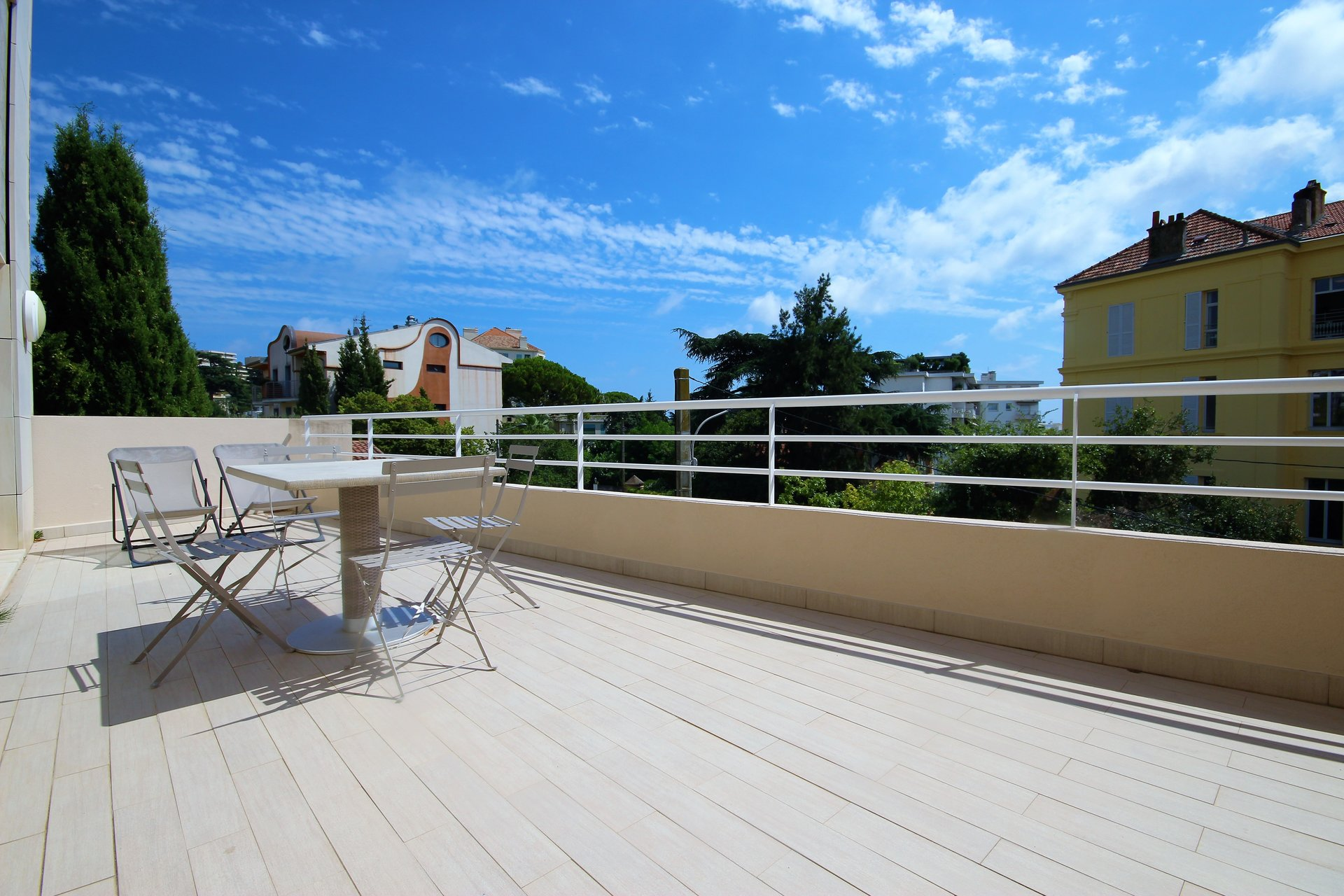 CANNES FULL CENTER FOR SALE 2 ROOMS
