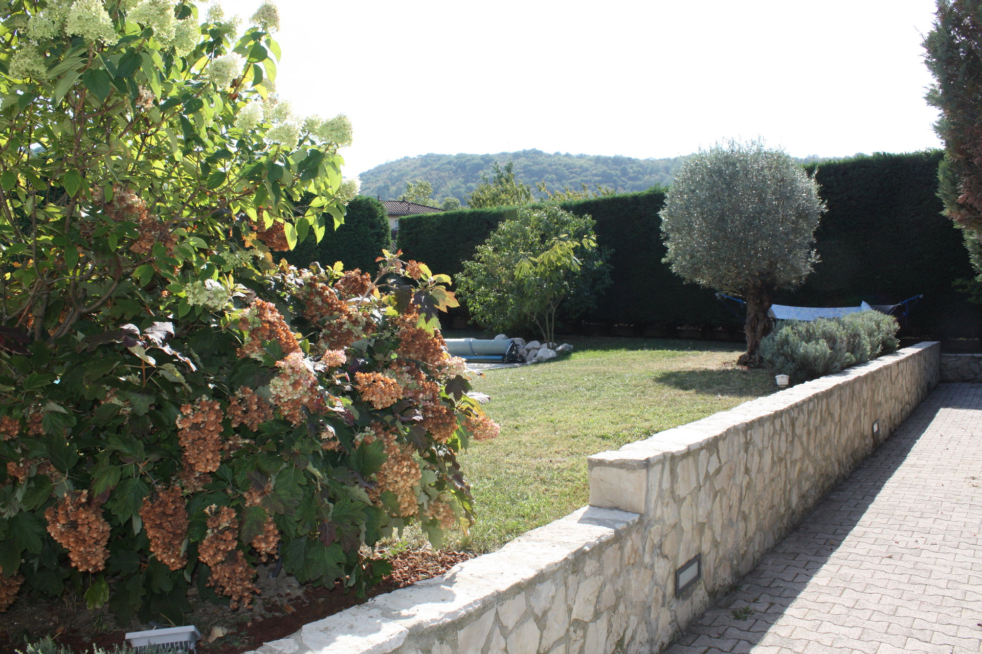 Belle villa d'architecte EYBENS limite BRESSON