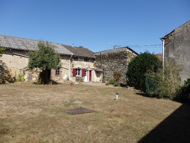 Excellent Farmhouse - Bussière-Poitevine in the Haute Vienne