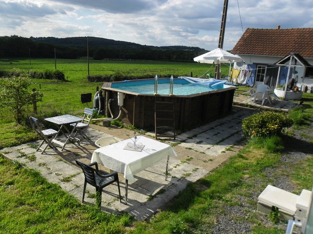Nice holiday house with panoramic for sale view in Burgundy