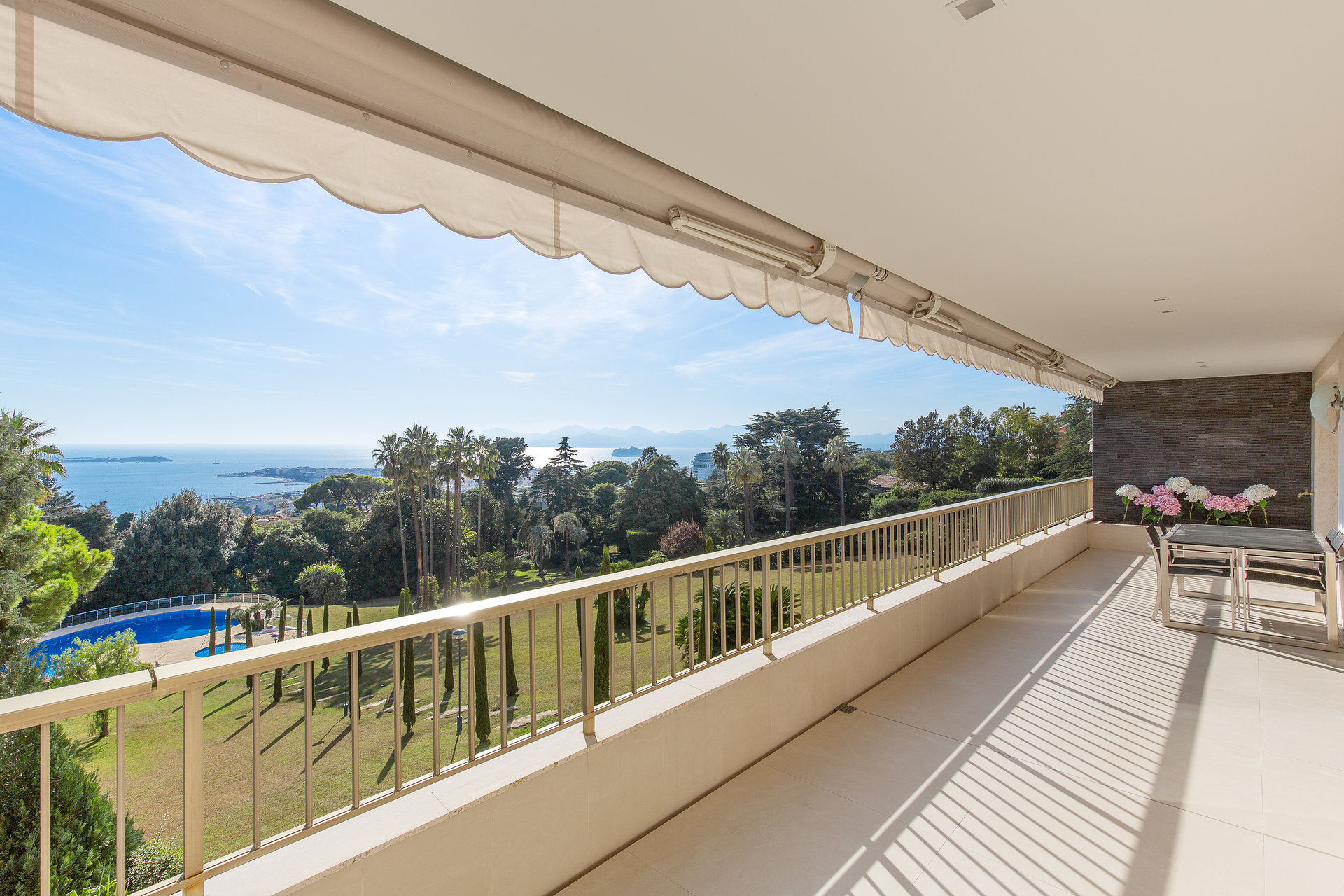 Cannes Californie 4p 123 m2 panoramic sea  view