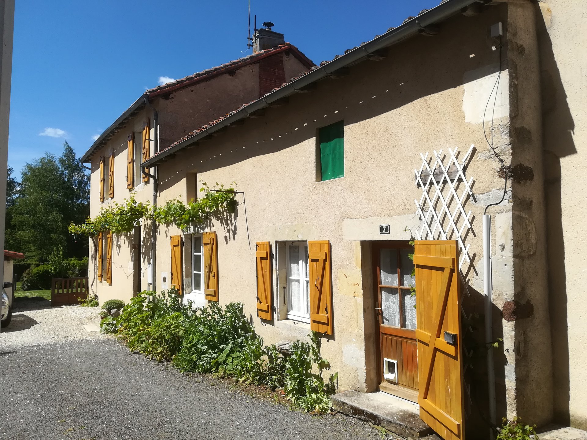 Excellent House and Gîte close to Confolens in the Charente