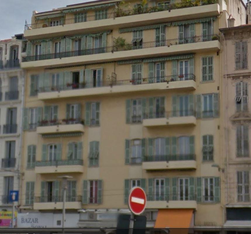 2 pièces centre Nice jean médecin pied du tram