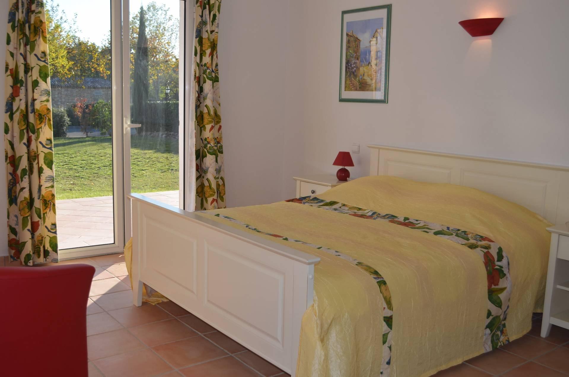 Villa trois chambres 105 m² avec piscine et tennis