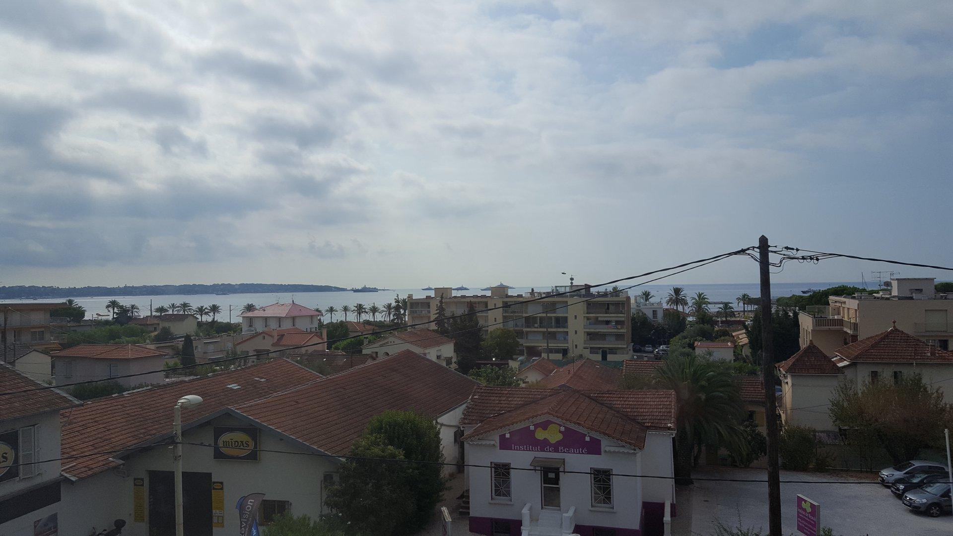 appartement d'angle dernier étage vue mer