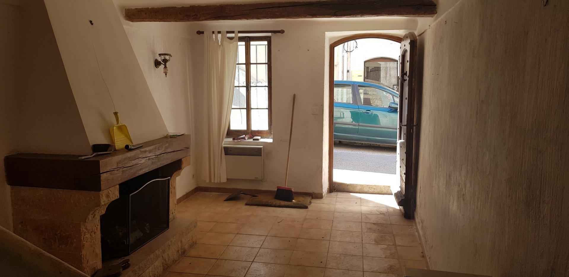 Maison de Village 4 Pièces - SAINT CEZAIRE SUR SIAGNE