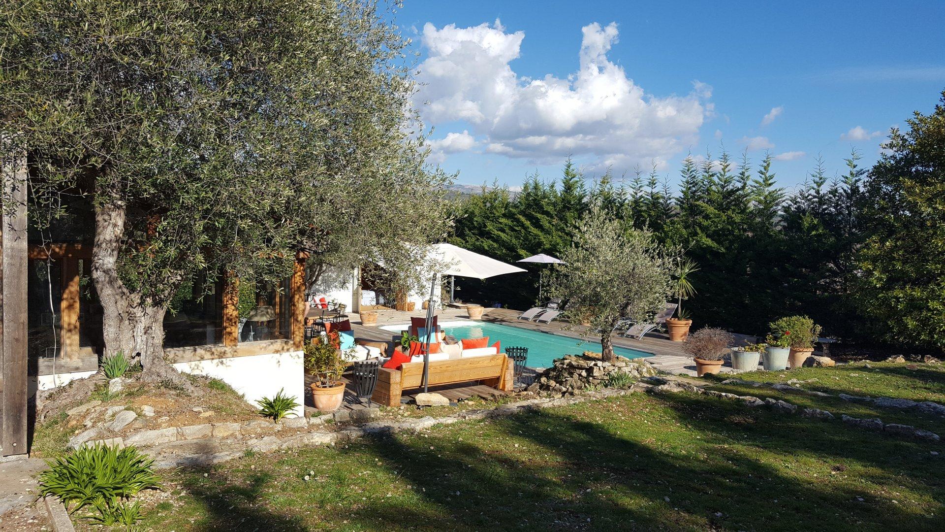 Maison de Character près de la village terrain et piscine