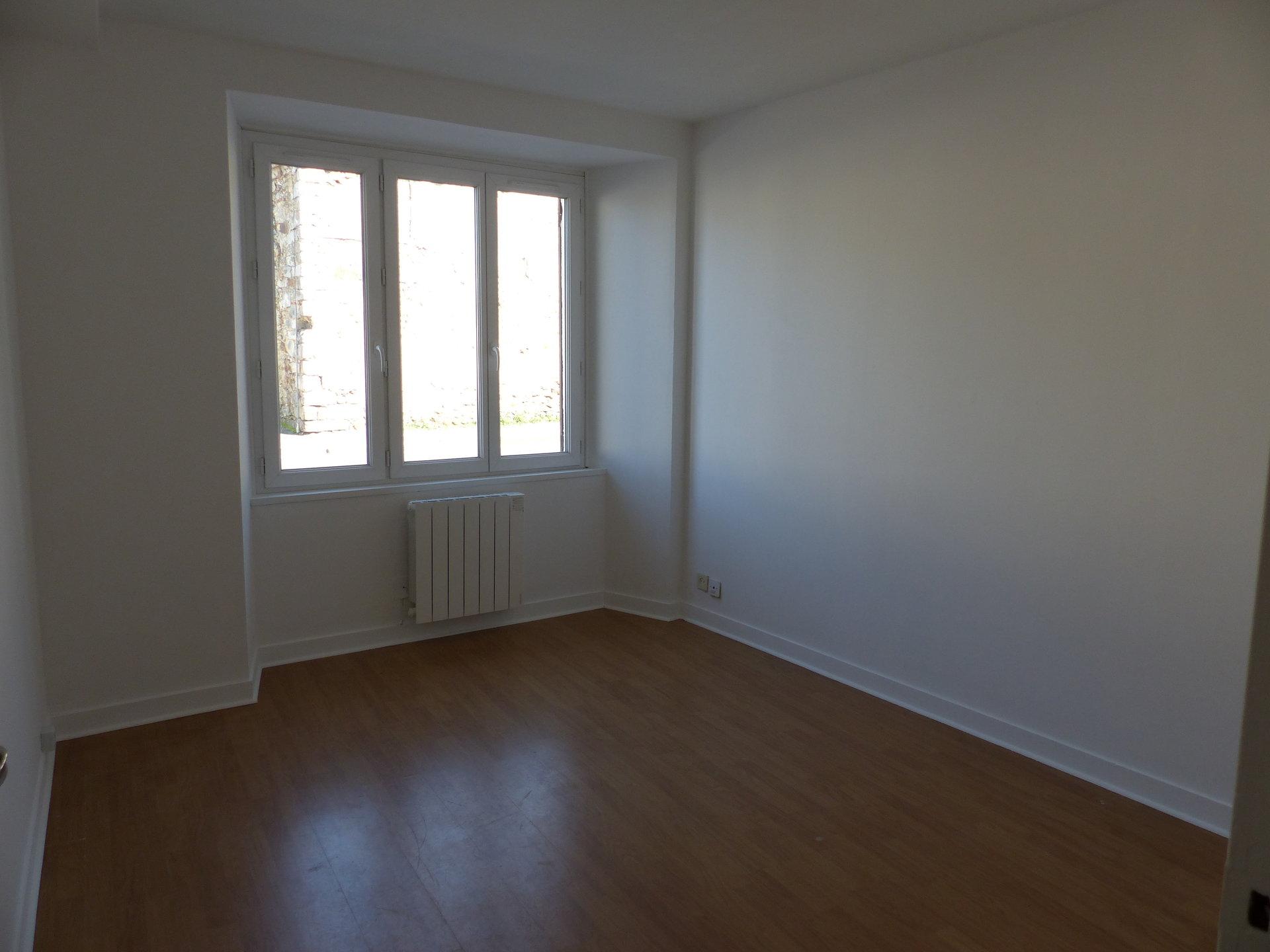 Idéal investisseur, ensemble immobilier . 20 KMS DE NEMOURS