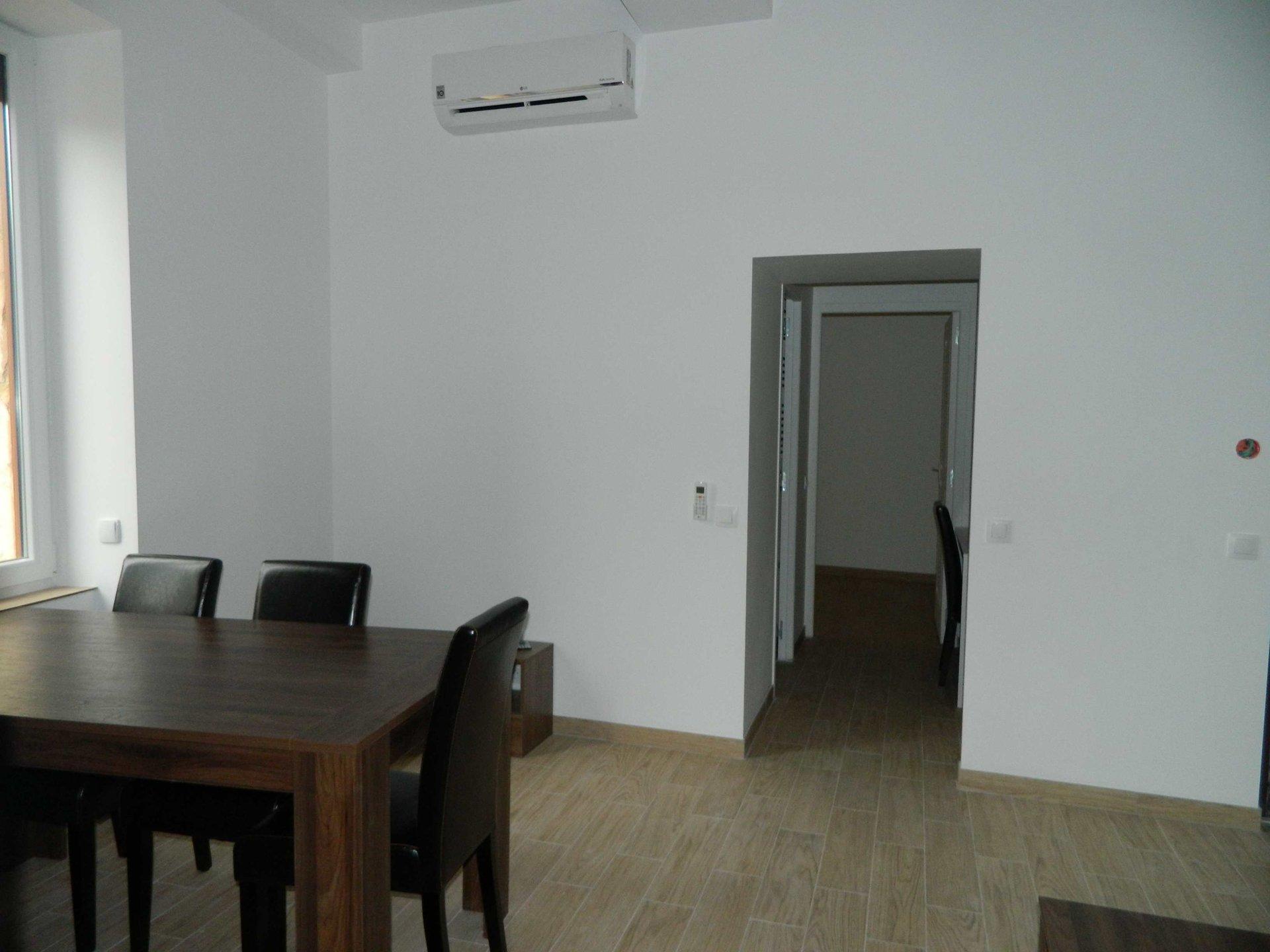 Trés Bel Appartement F1 meublé  au cœur de Bagnols sur Ceze