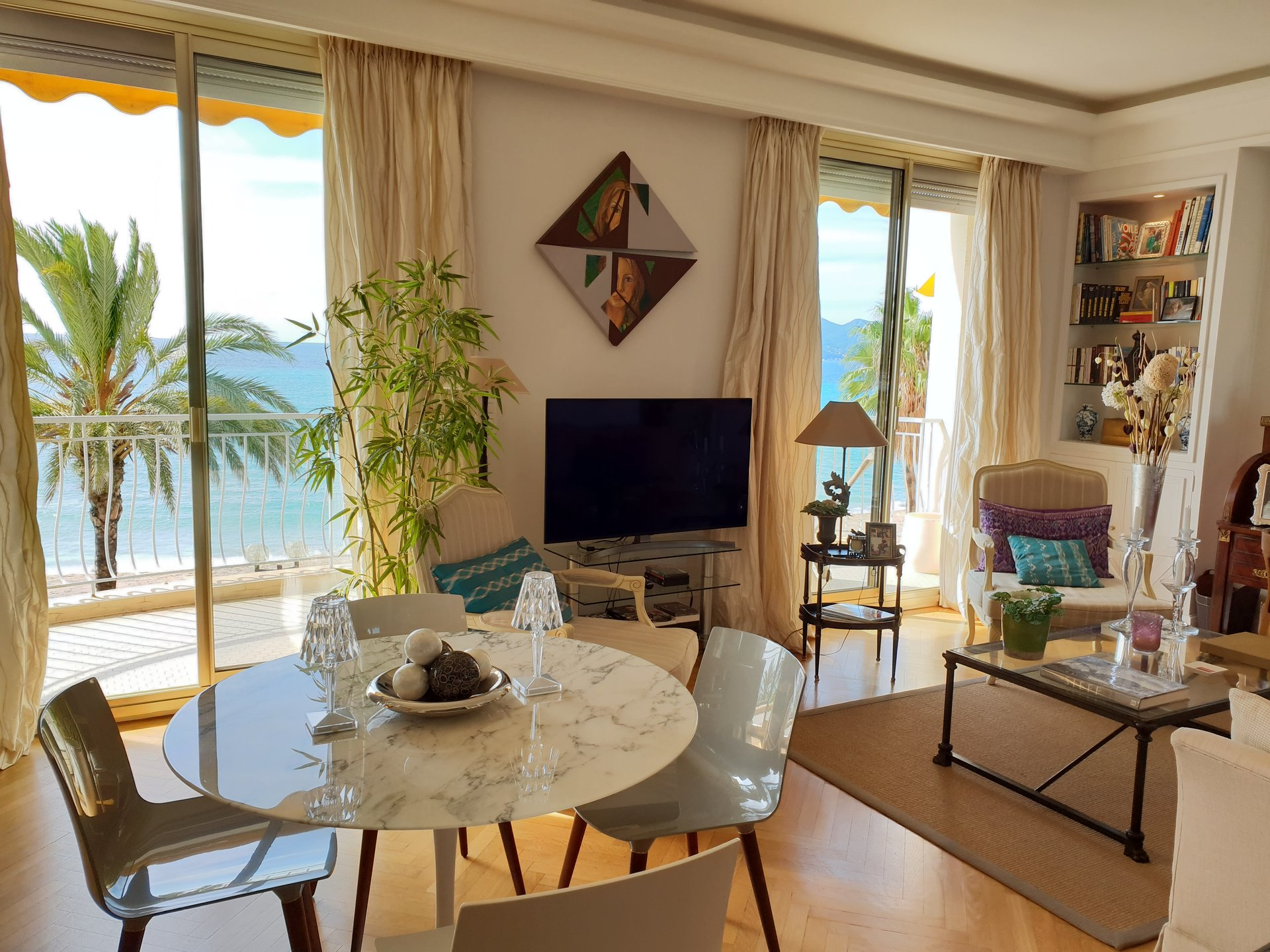 Apartment 3 bedroom center of Cannes sea view.