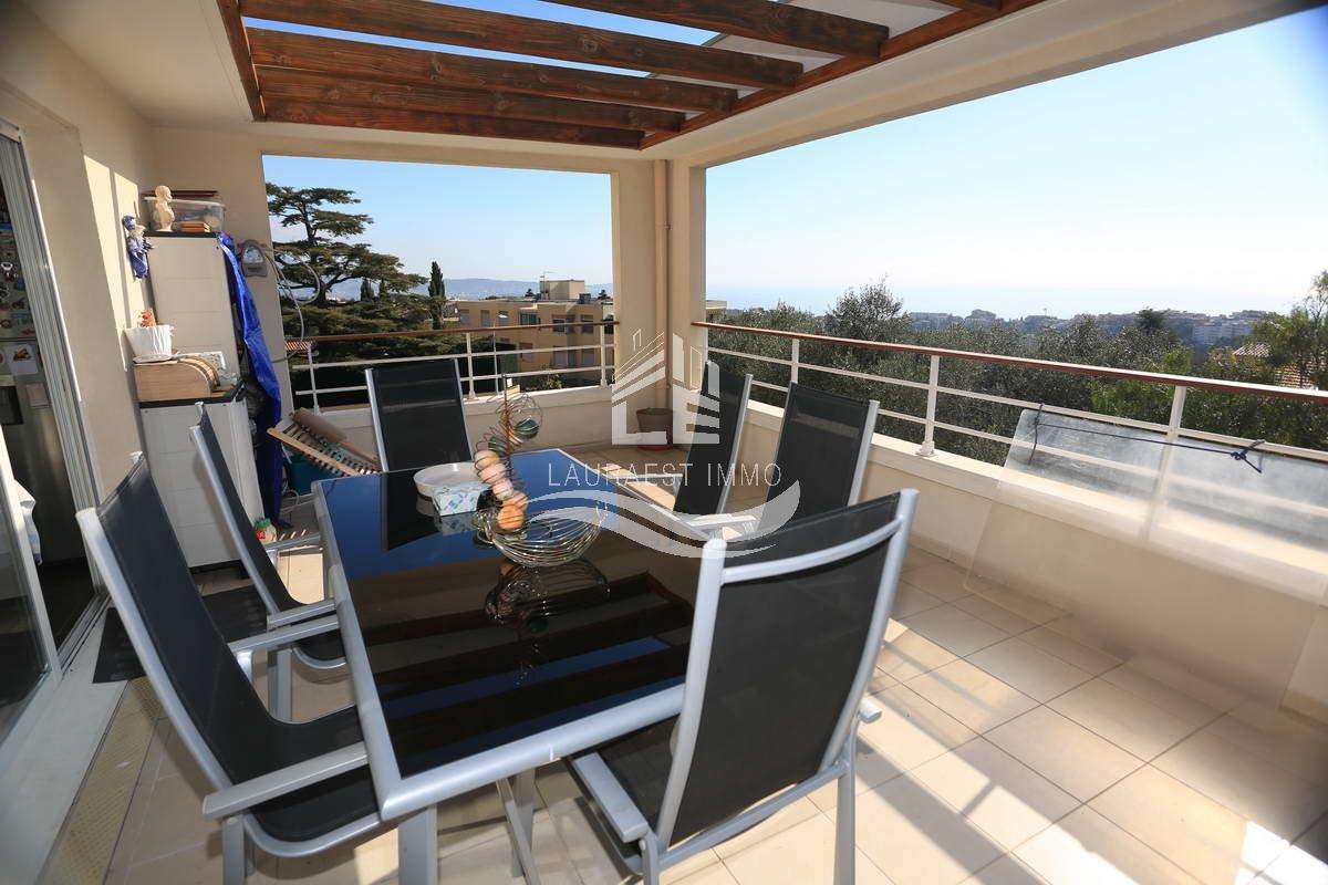 Квартира с видом на море/Фаброн
