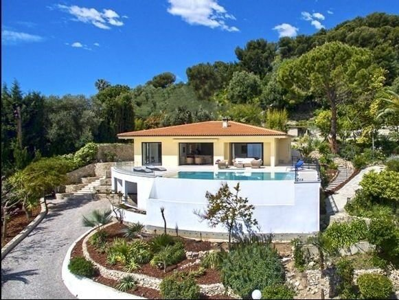 Cap Martin - Modern villa with sea view in calm neiborhood