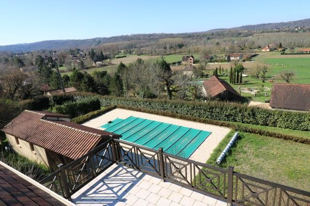 Bright house med view over the Dordogne river
