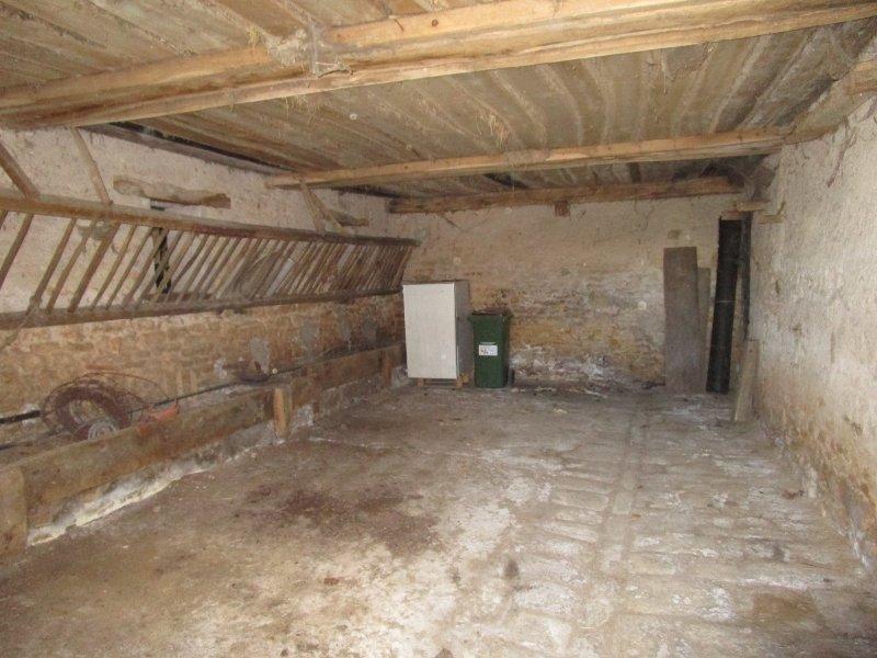 Vrijstaand huis te koop in de Bourgogne met bijgebouwen