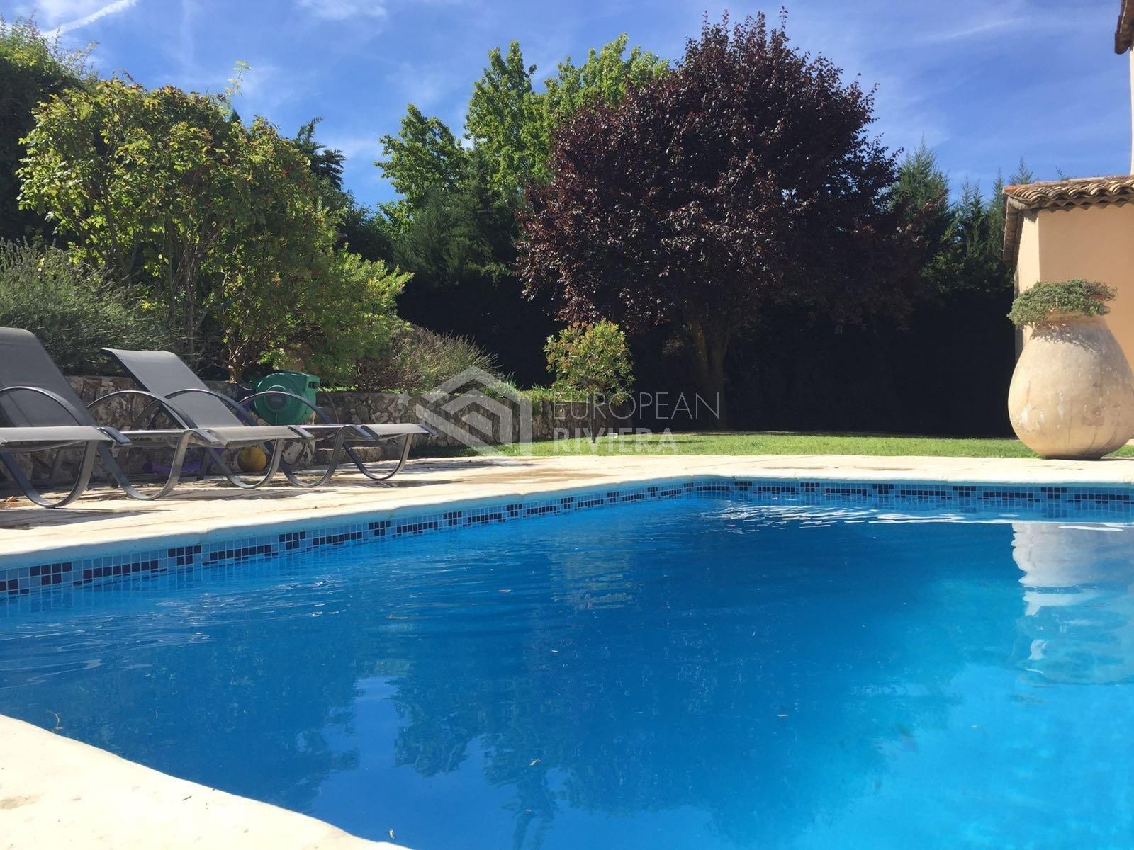 LA COLLE SUR LOUP - Villa 8 pièces, jardin, piscine
