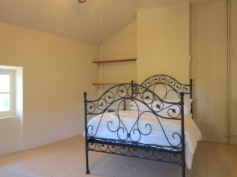 Sale Bed and breakfast - Montouliers