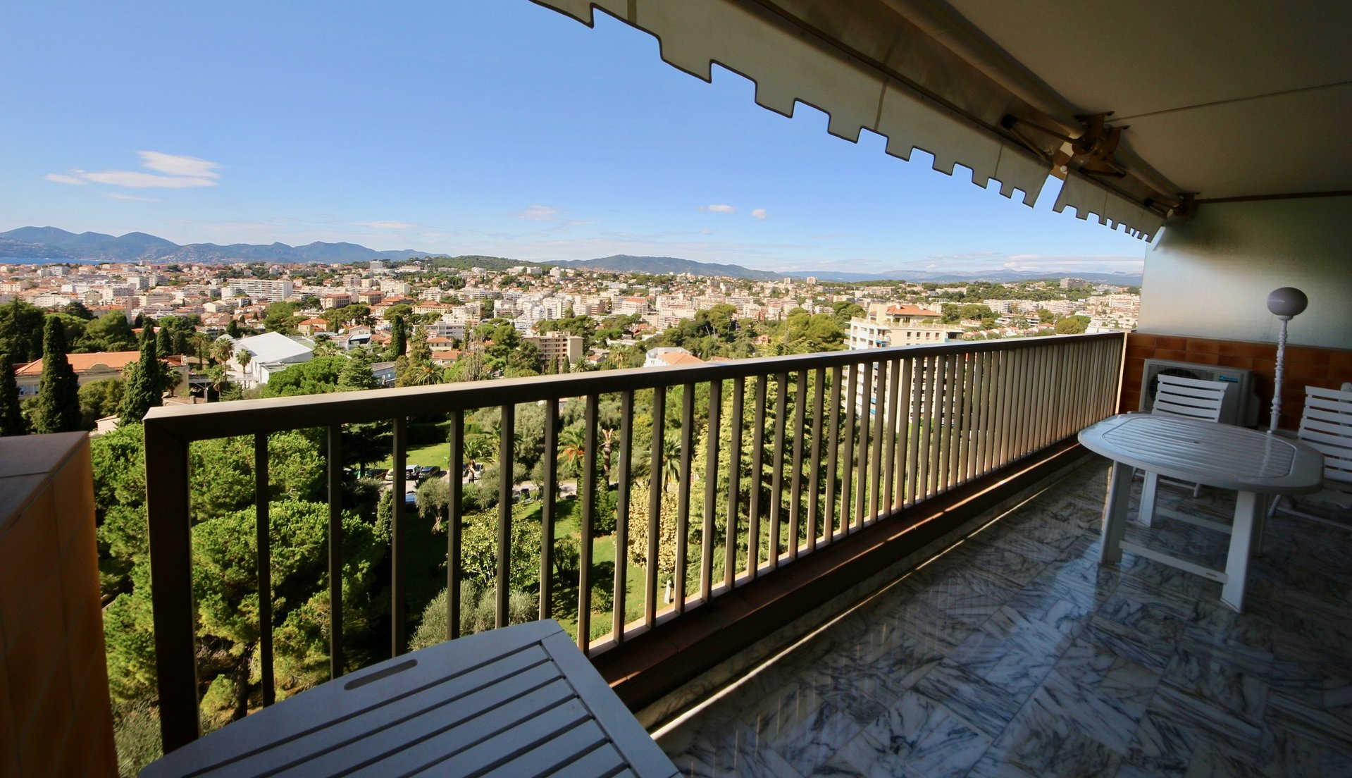 CANNES OXFORD 2 BEDROOM 90 SQM HIGH FLOOR PANORAMIC SEA VIEW