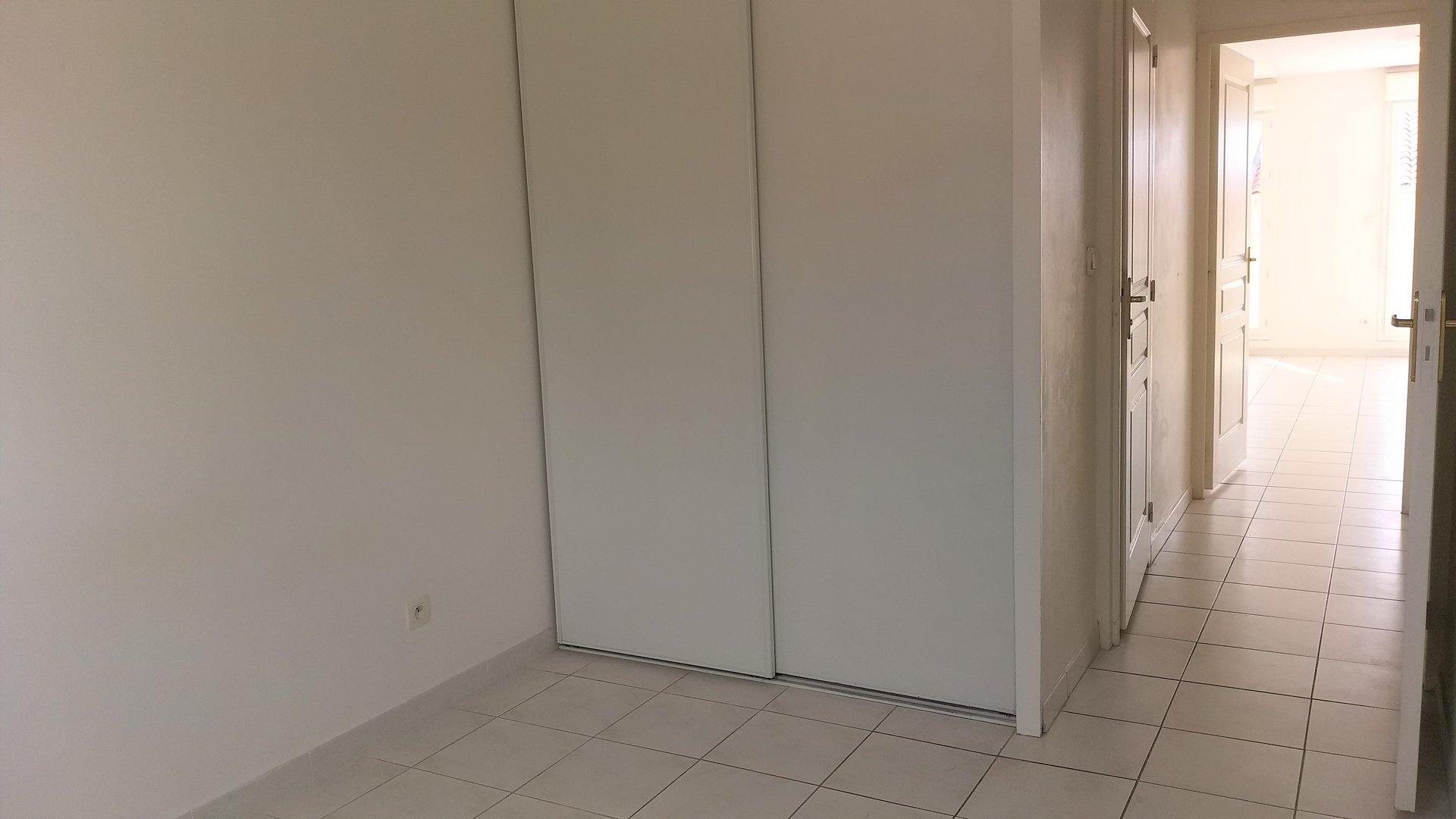 EXCLUSIF VENTE APPARTEMENT 3 PIECES  TERRASSE GARAGE FERRIERE