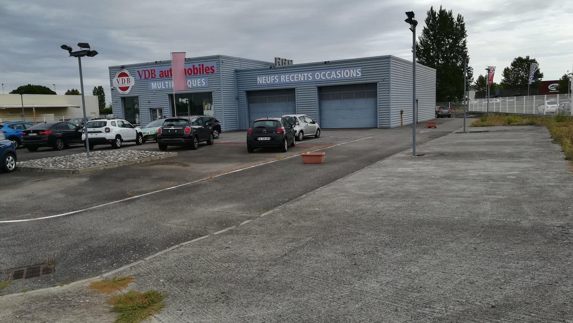 Local commercial 600M² sur foncier 3500M² à MURET 31600
