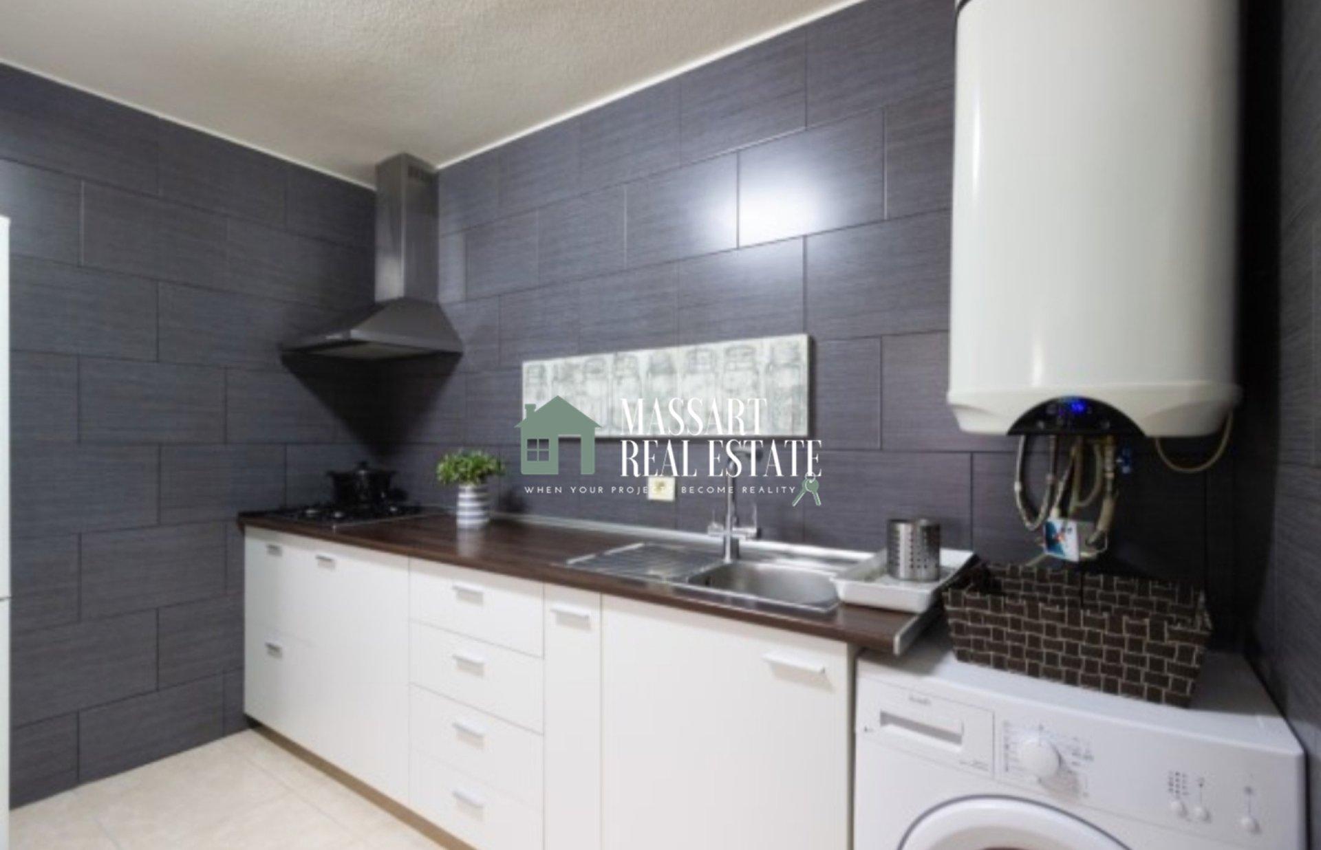 En venta en el el casco urbano de Adeje, apartamento recién reformado de 56 m2.