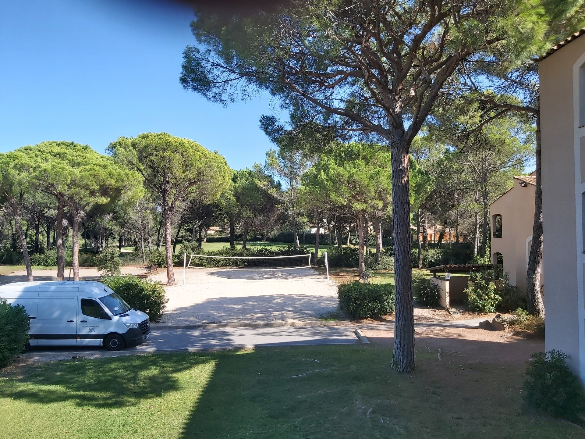 STUDIO IN THE HEART OF VALESCURE GOLF