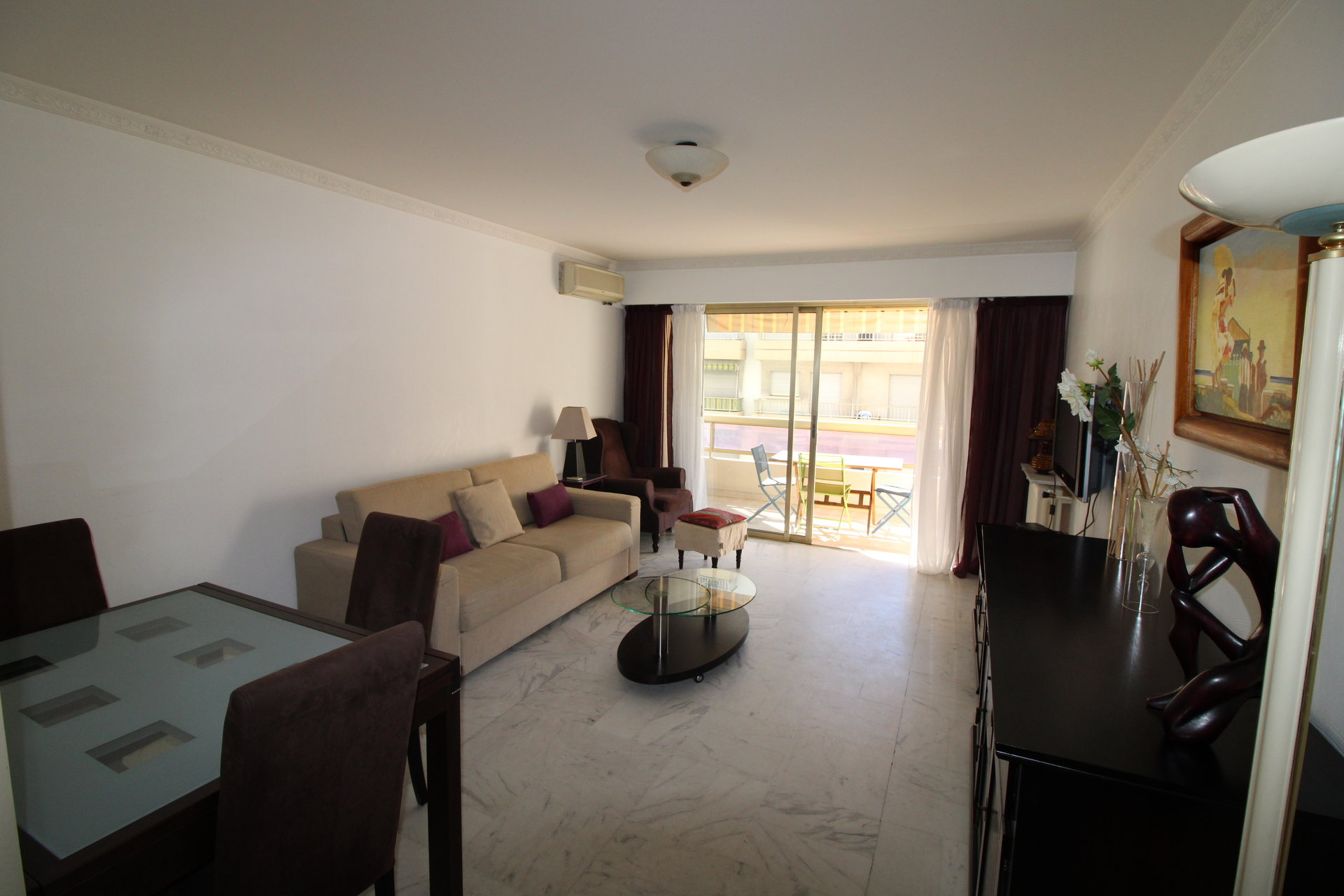 Apartment for rent, next to Carlton Hôtel