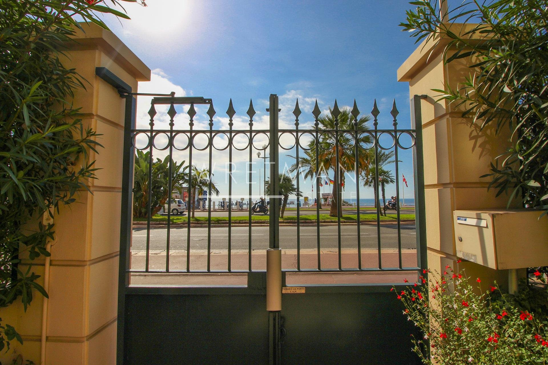 Commercial area / appartment - Nice Promenade des Anglais