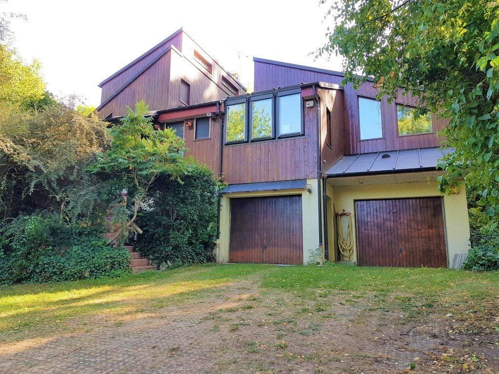 Maison d'architecte 6 pièces, sur 3 300 m² de terrain !
