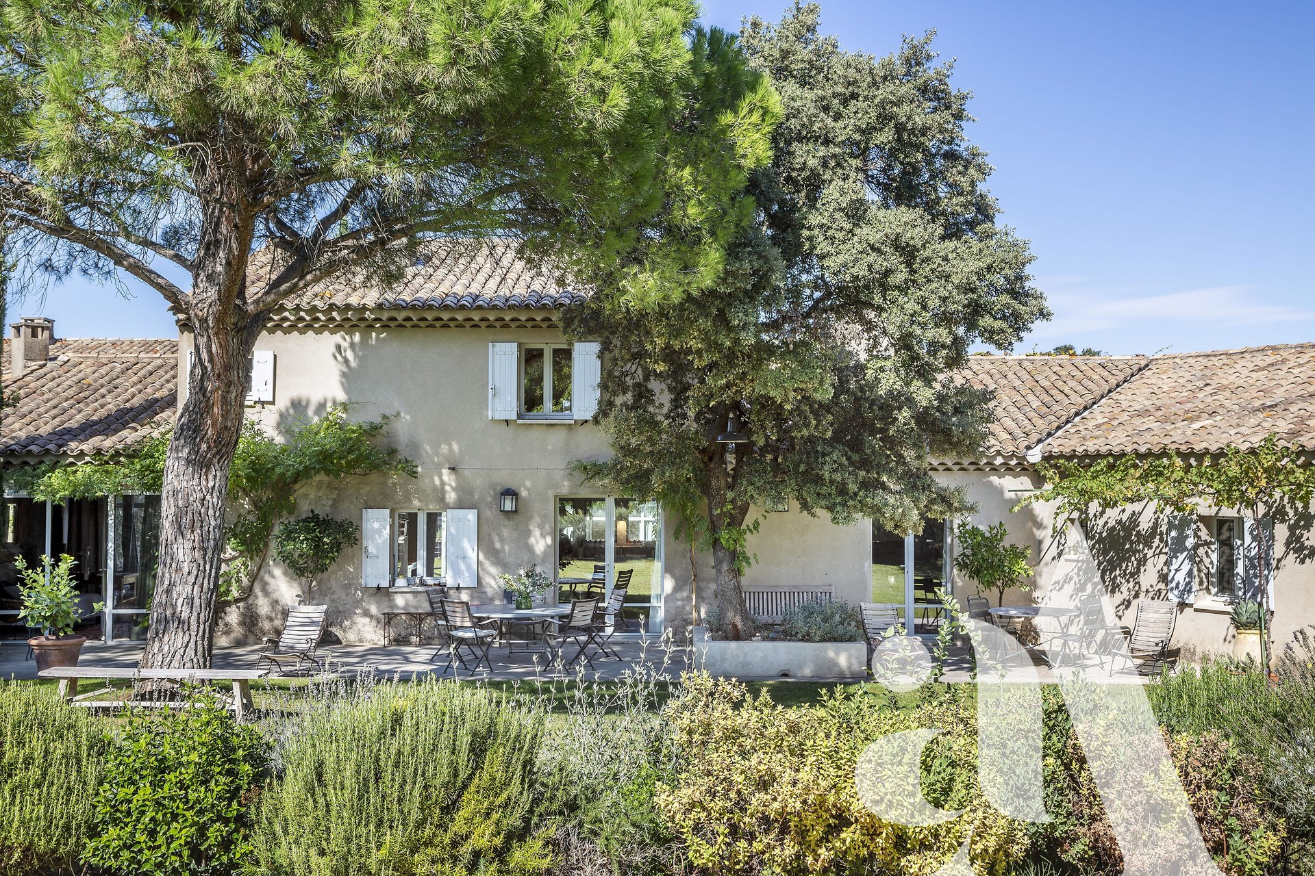 FOR SALE CHARMING HOUSE EYGALIÈRES