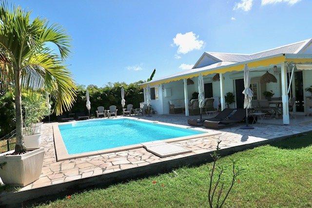 a vendre villa avec piscine saint francois