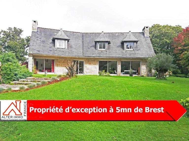 Proche Brest, superbe propriété dans un écrin idyllique de verdure