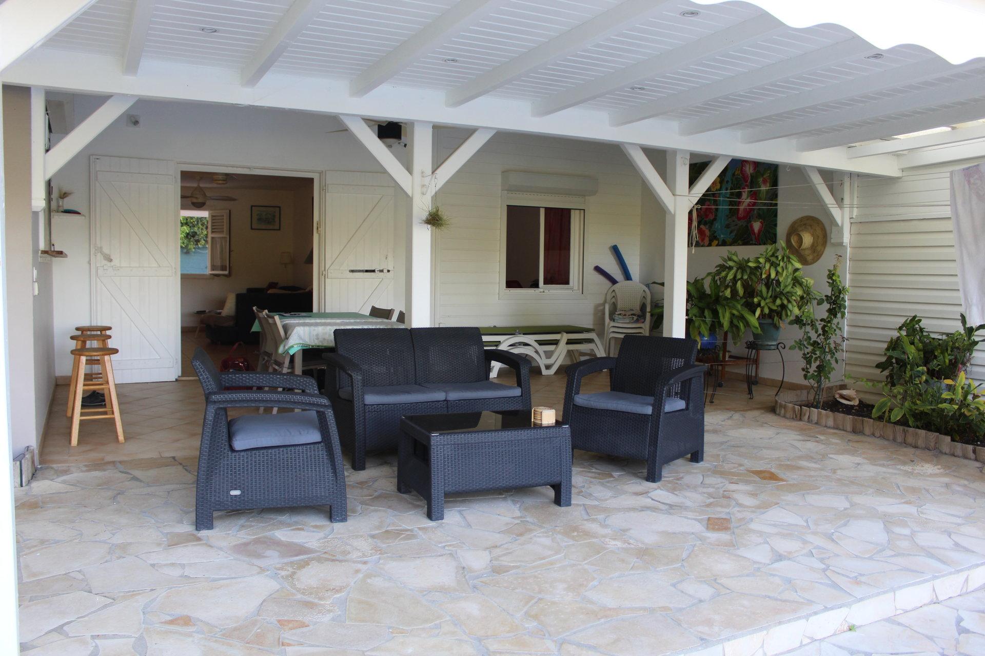 villa t4 avec terrasse saint françois