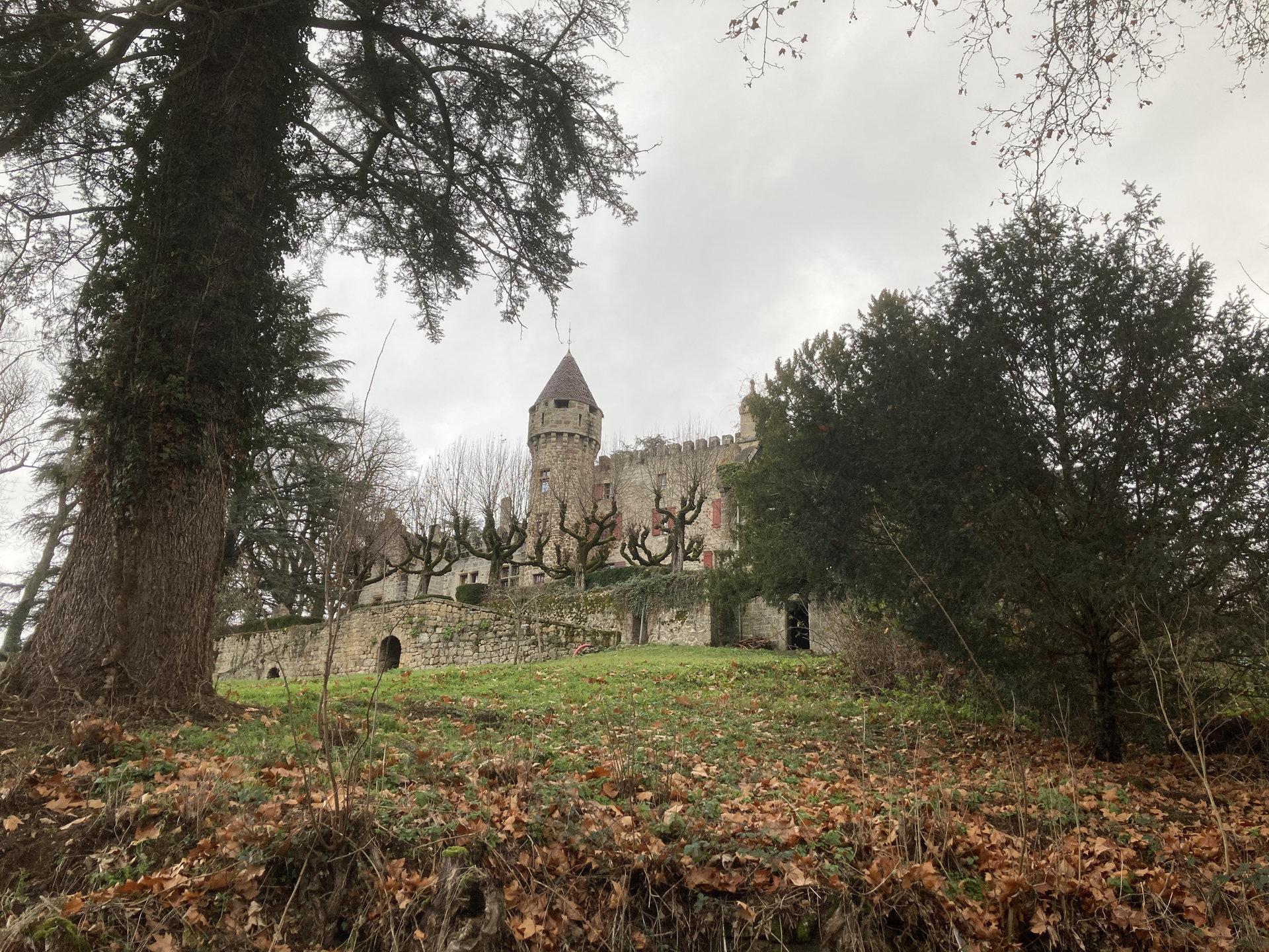 Chateau du XVème siècle dans son parc