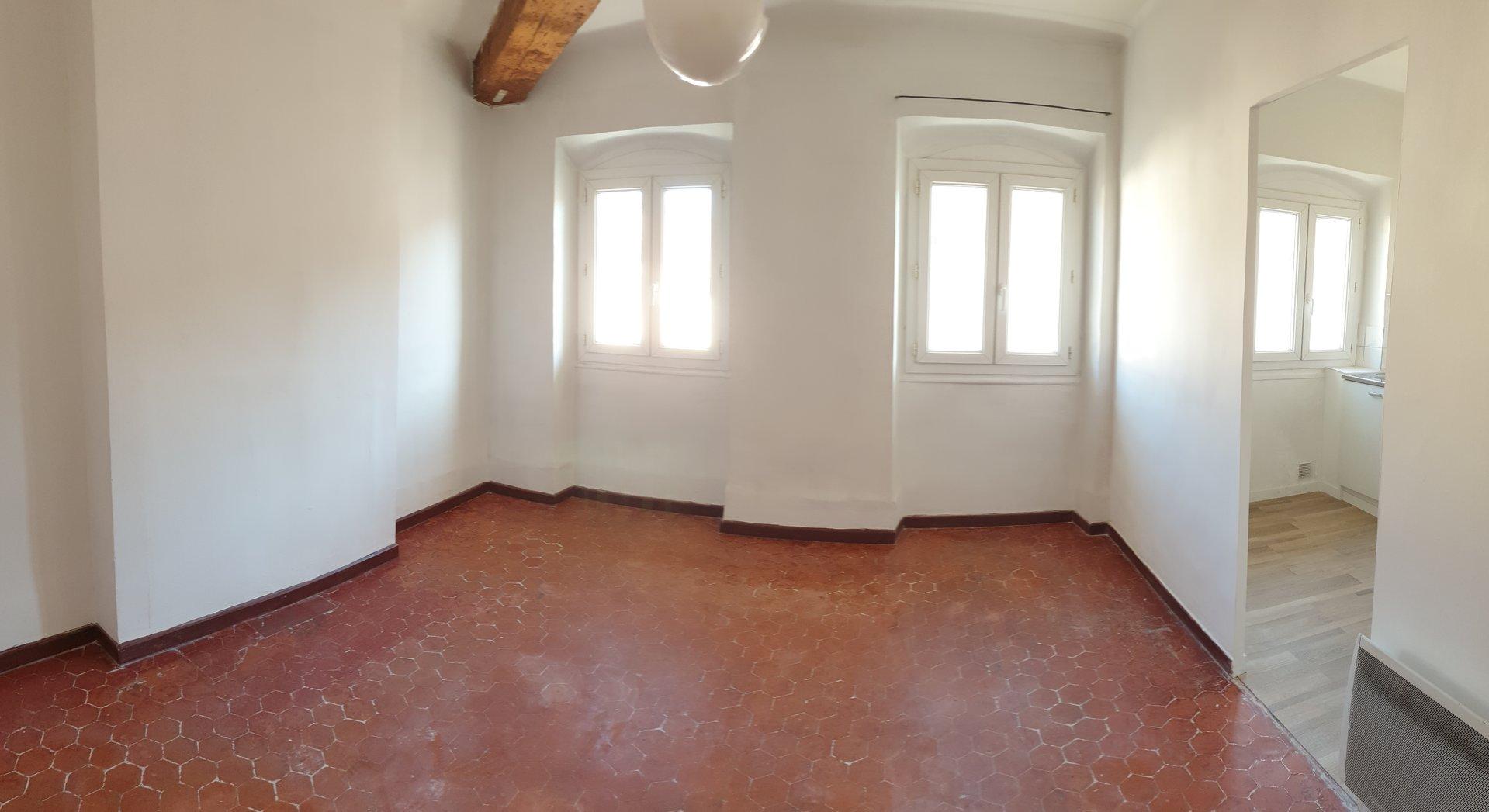 T2 - Rue Fortia