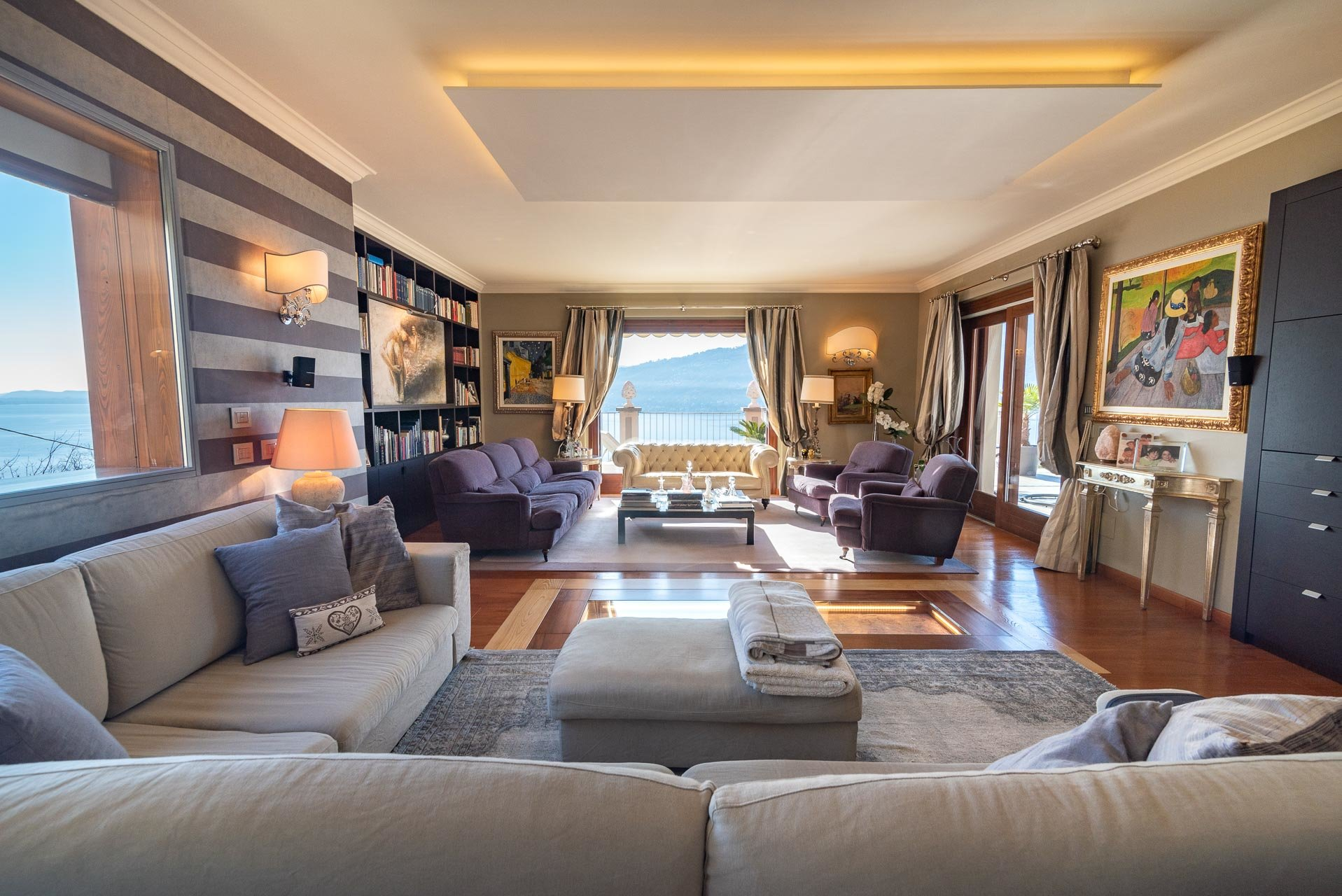 Modern villa with pool for sale in Verbania - living room