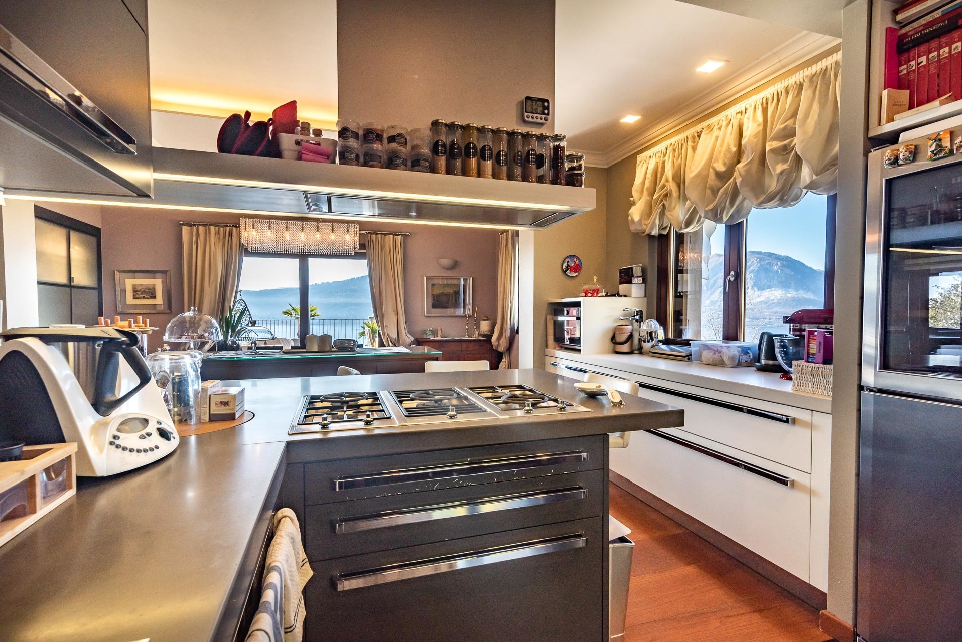 Modern villa with swimming pool for sale in Verbania