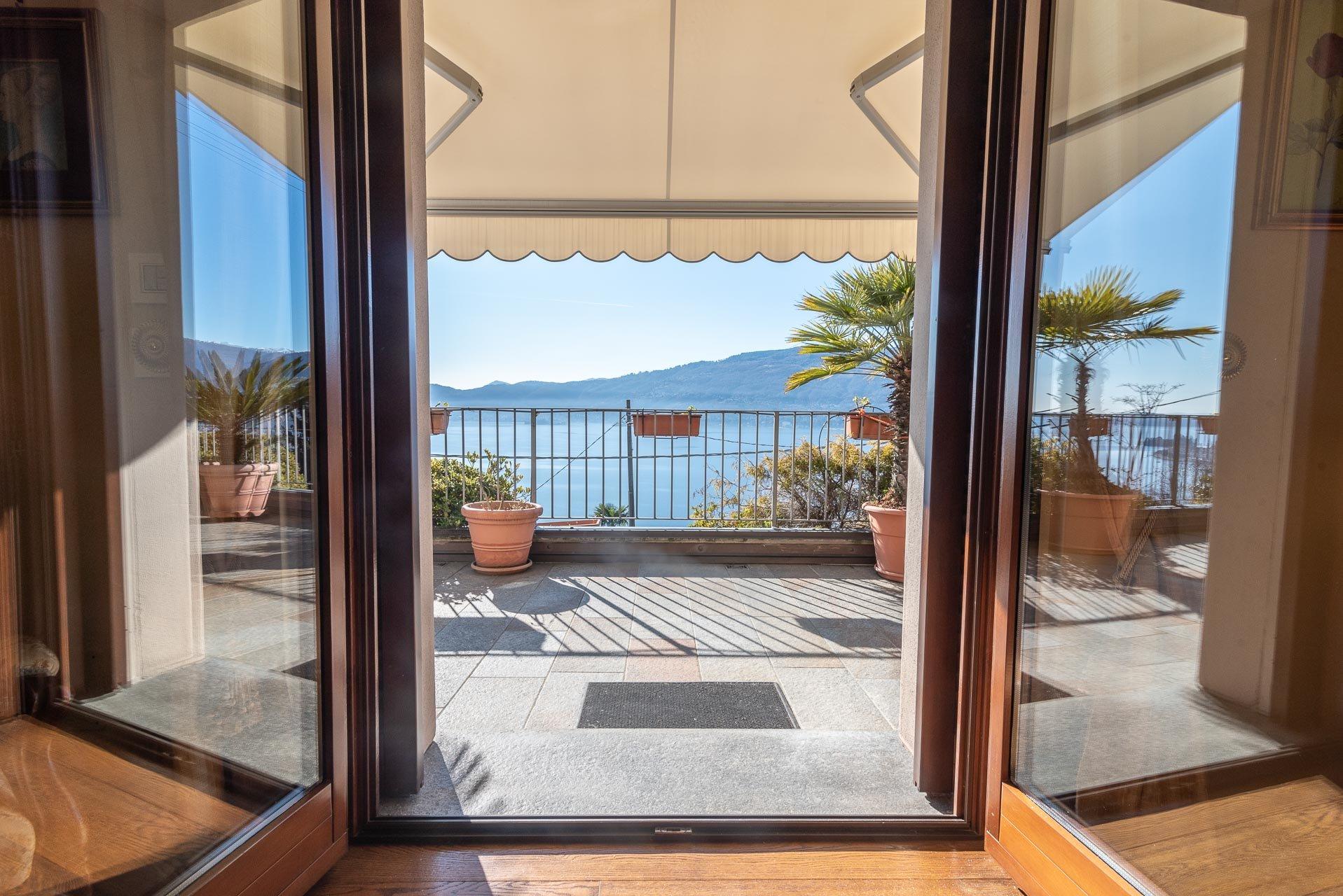 Villa moderna con piscina in vendita a Verbania