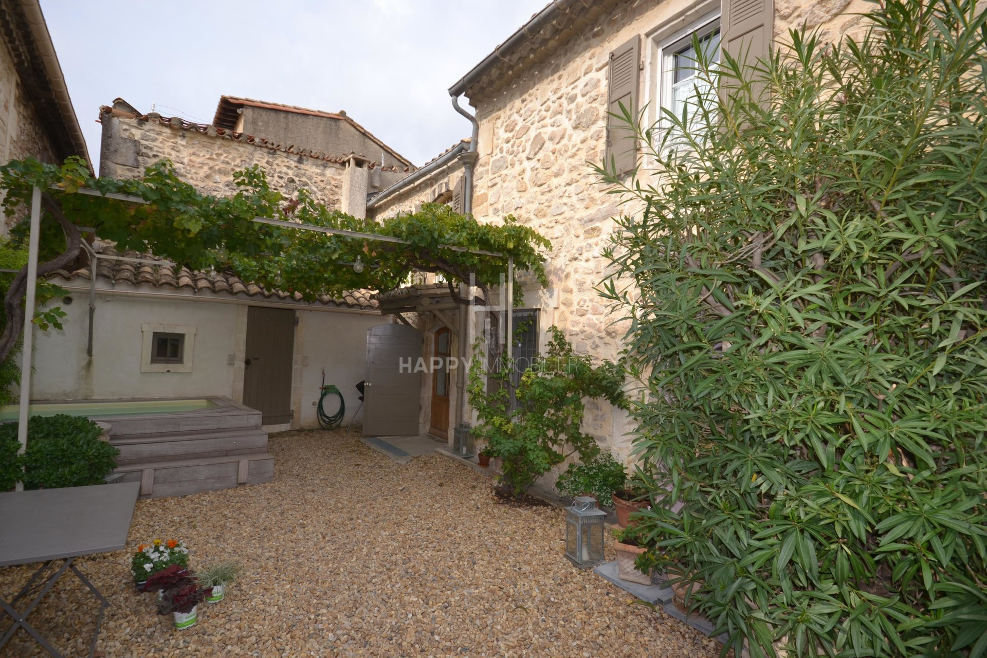 Charming village house with small pool in Mouriès