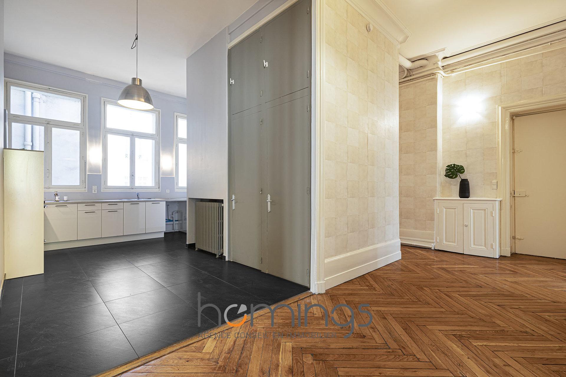 N'est plus disponible Annulation dédite : T5 Place Maréchal Lyautey (possibilité garage)