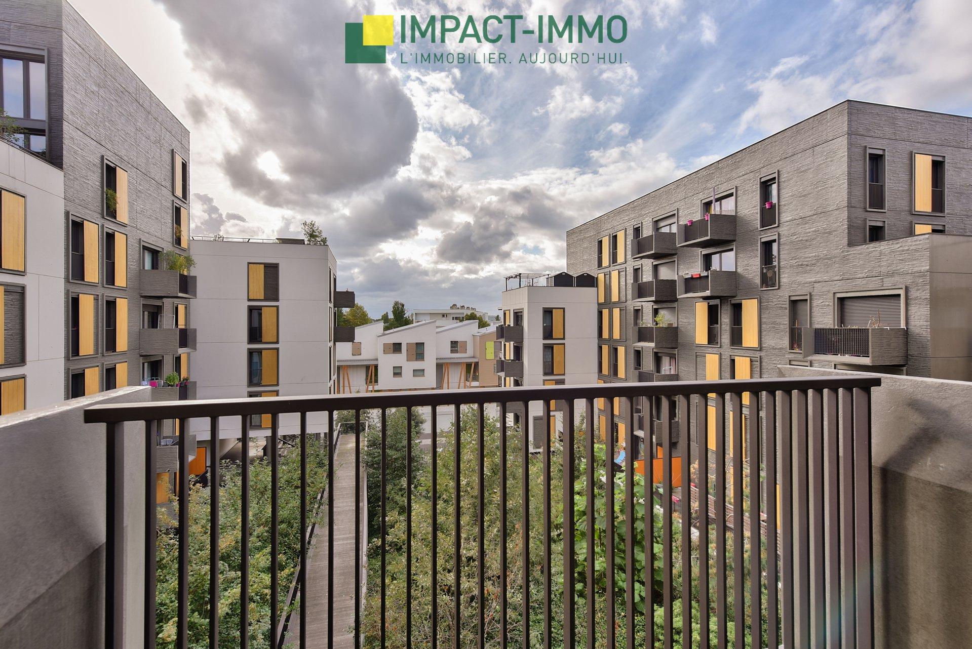 COLOMBES EUROPE - 4 pieces avec balcon et parking